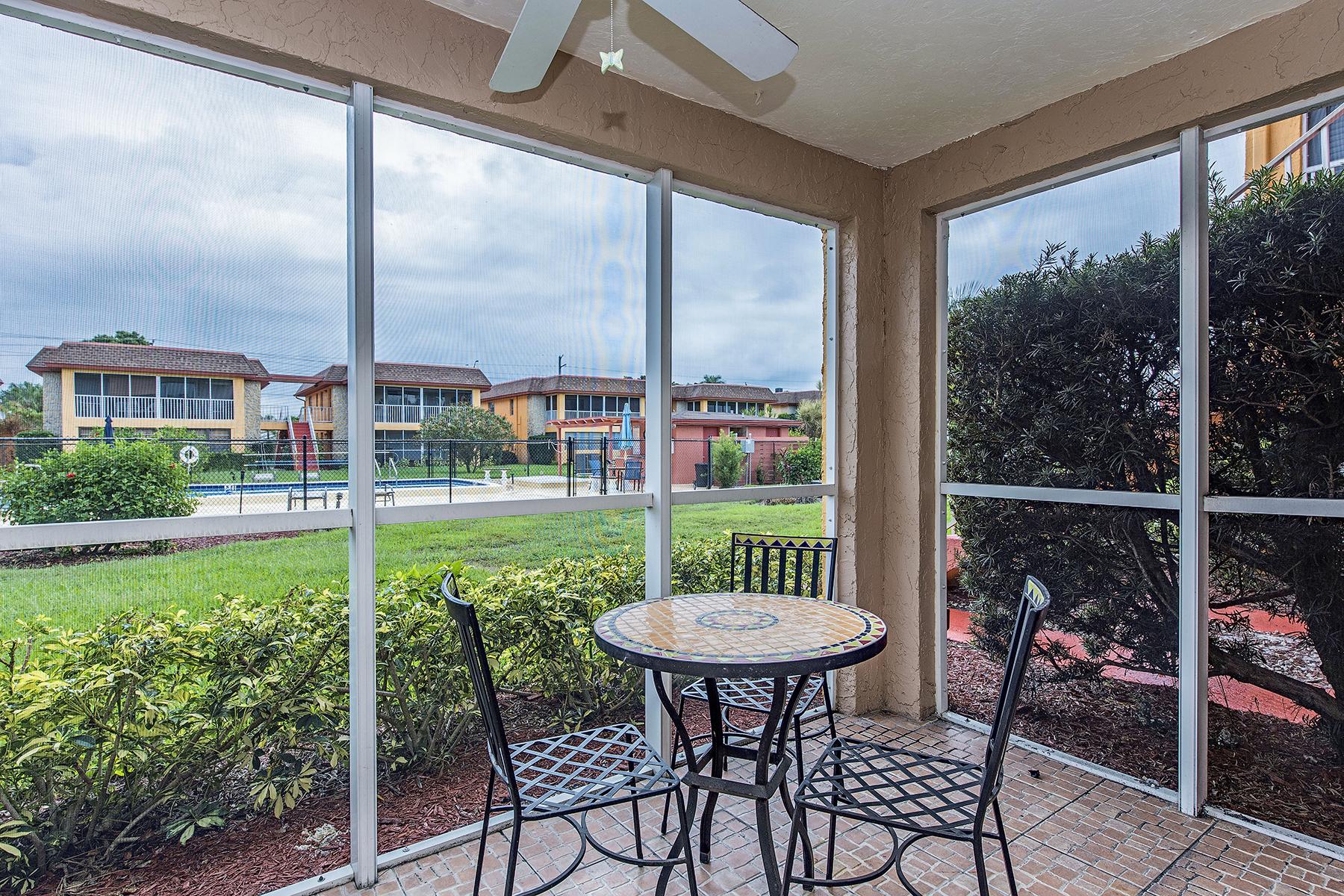 Condominio por un Venta en SORRENTO 1400 Pompei Ln 17 Naples, Florida 34103 Estados Unidos
