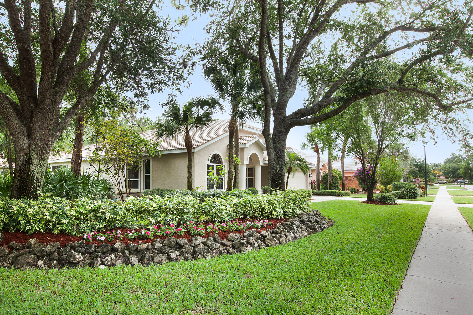 Single Family Home for Sale at WILSHIRE LAKES 8101 Lowbank Dr Naples, Florida 34109 United States