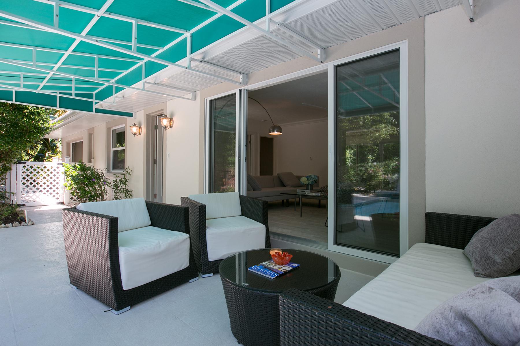独户住宅 为 销售 在 VENICE ISLAND BEACH HOUSE 121 Castile St Venice, 佛罗里达州 34285 美国