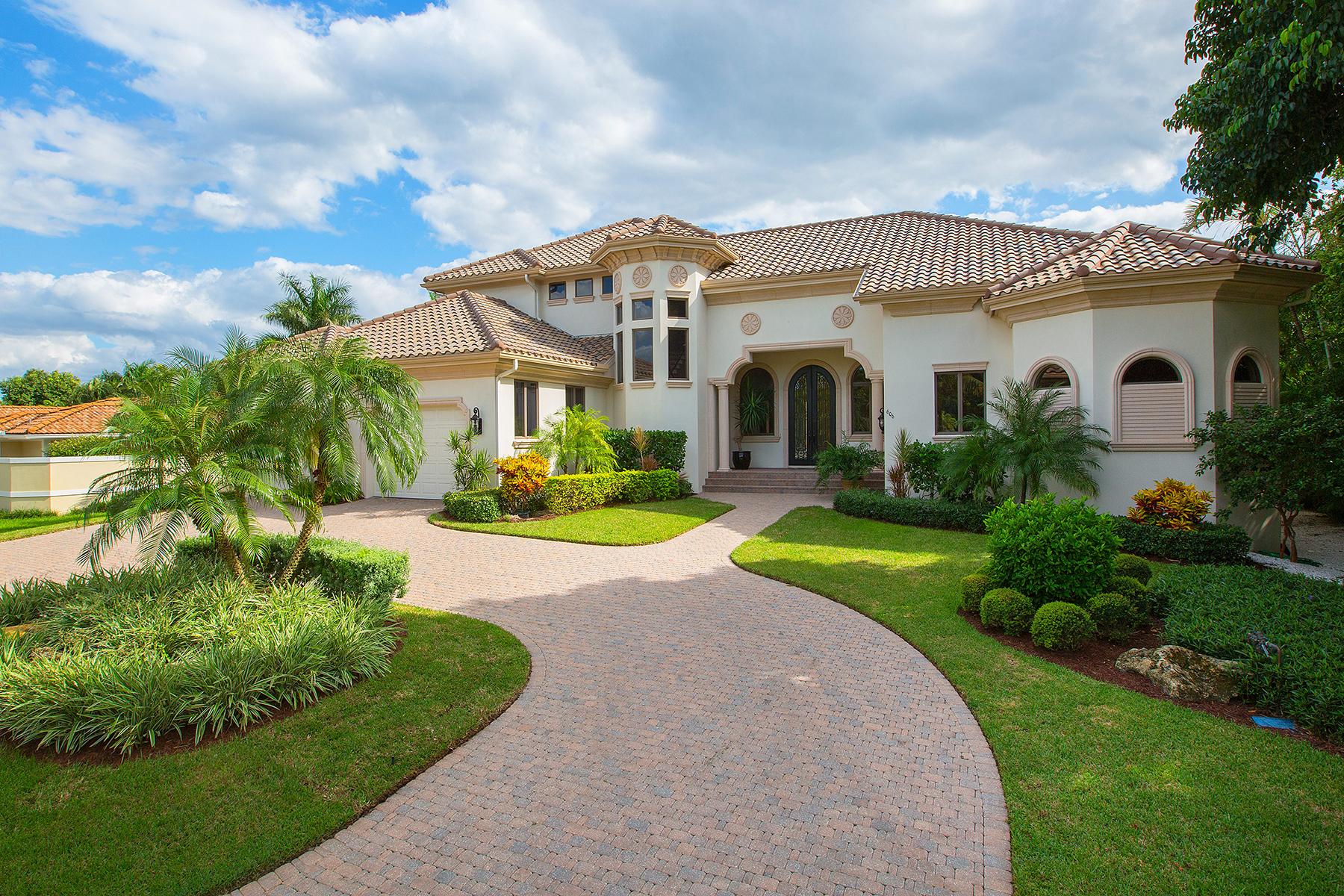 Einfamilienhaus für Verkauf beim MOORINGS 606 Binnacle Dr Naples, Florida, 34105 Vereinigte Staaten