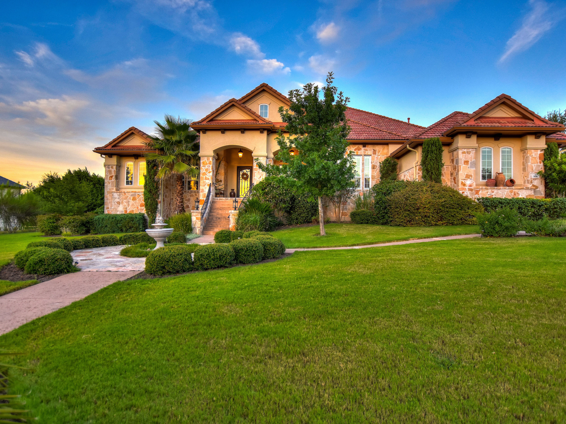 Casa Unifamiliar por un Venta en Beautiful Bell Montagna Home 308 Bella Montagna Lakeway, Texas 78734 Estados Unidos