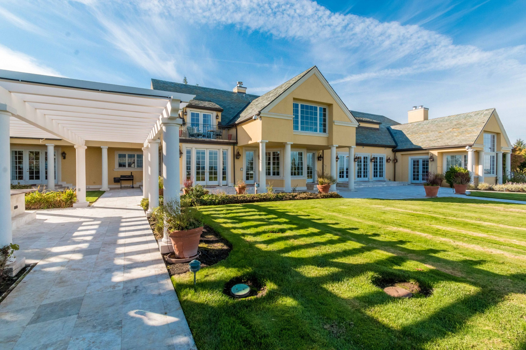 Частный односемейный дом для того Продажа на 1707 SW SCHAEFFER RD, WEST LINN West Linn, Орегон, 97068 Соединенные Штаты