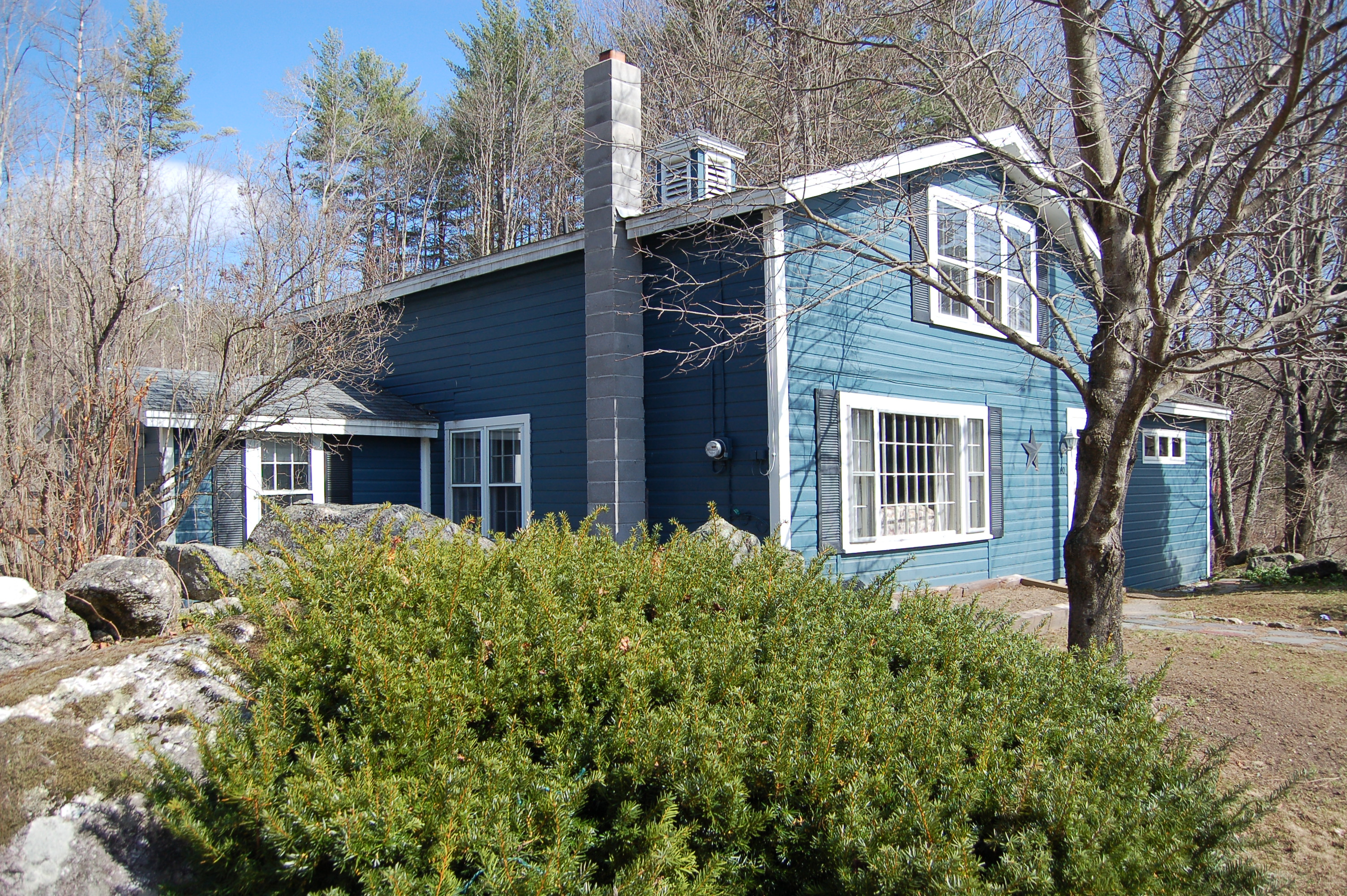 Single Family Home for Sale at 60 Campground Road, Wilmot 60 Campground Rd Wilmot, New Hampshire 03287 United States