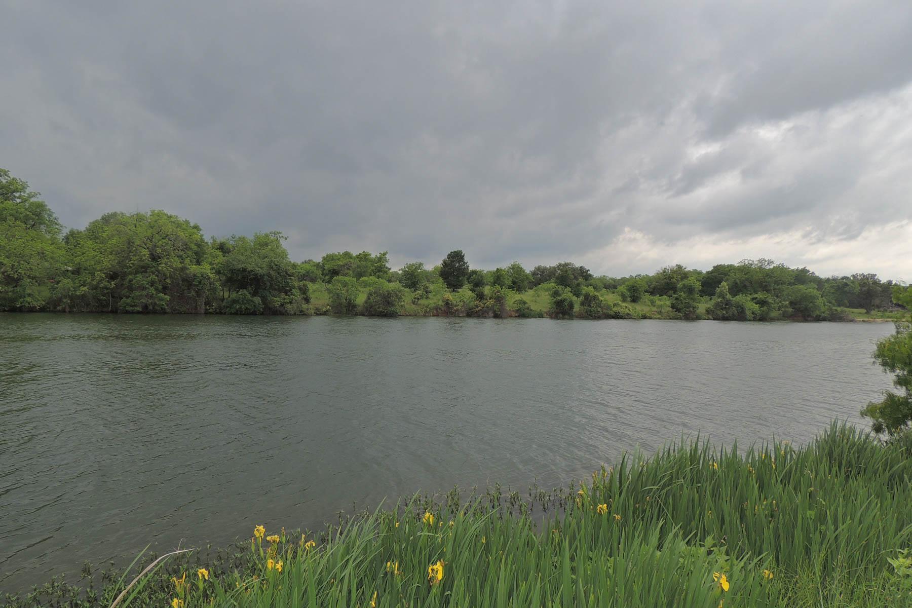 토지 용 매매 에 The Estates on the River Lot Lot 38 Lone Oak Dr Burnet, 텍사스 78611 미국