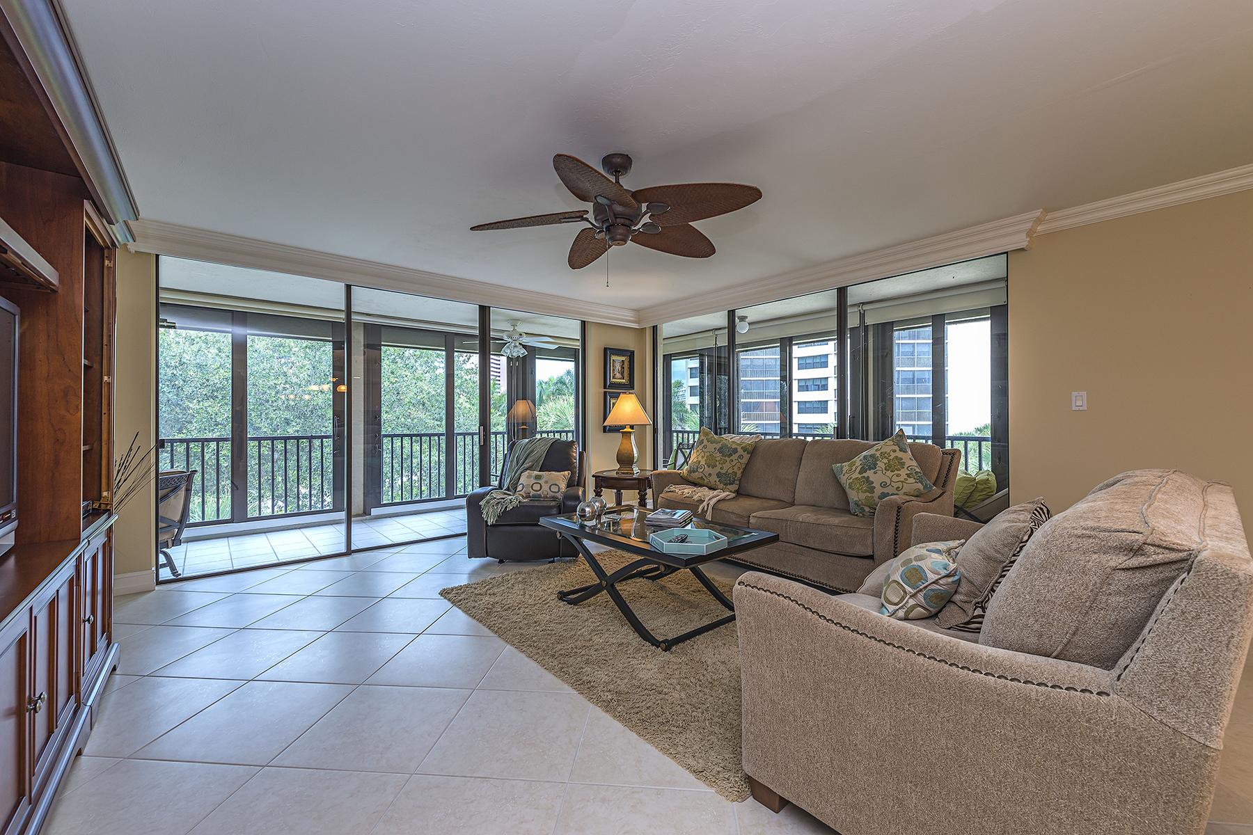 Кооперативная квартира для того Продажа на PELICAN BAY - CHATEAUMERE 6040 Pelican Bay Blvd D-301 Naples, Флорида 34108 Соединенные Штаты