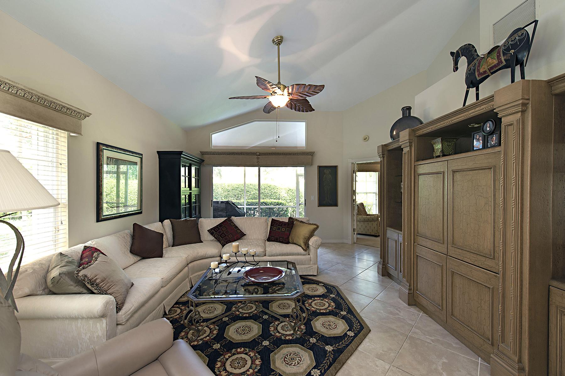 Konak için Satış at VINEYARDS - NAPA RIDGE 268 Napa Ridge Rd E Naples, Florida, 34119 Amerika Birleşik Devletleri