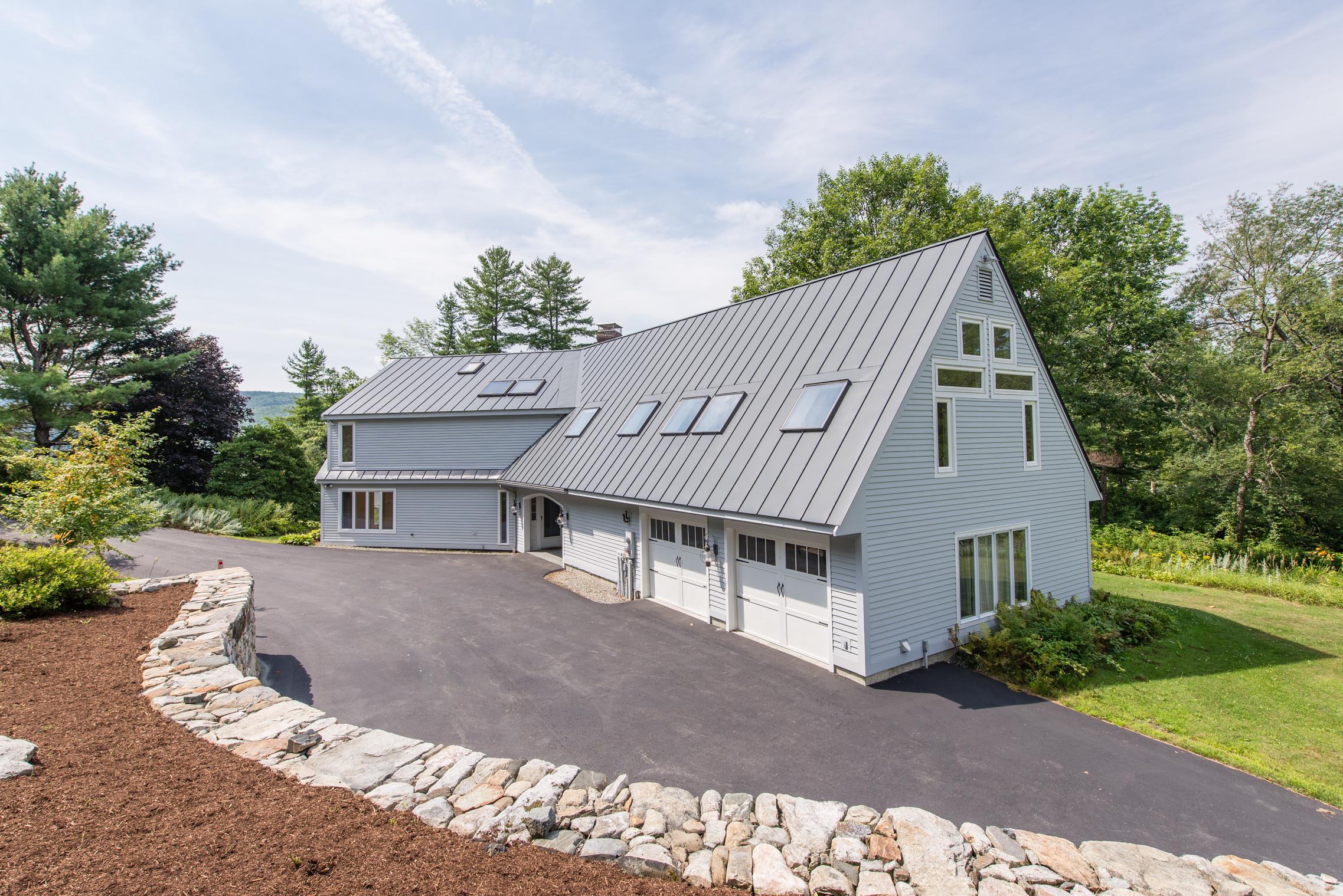 Casa para uma família para Venda às 68 Stevens Street St, Enfield Enfield, New Hampshire, 03748 Estados Unidos