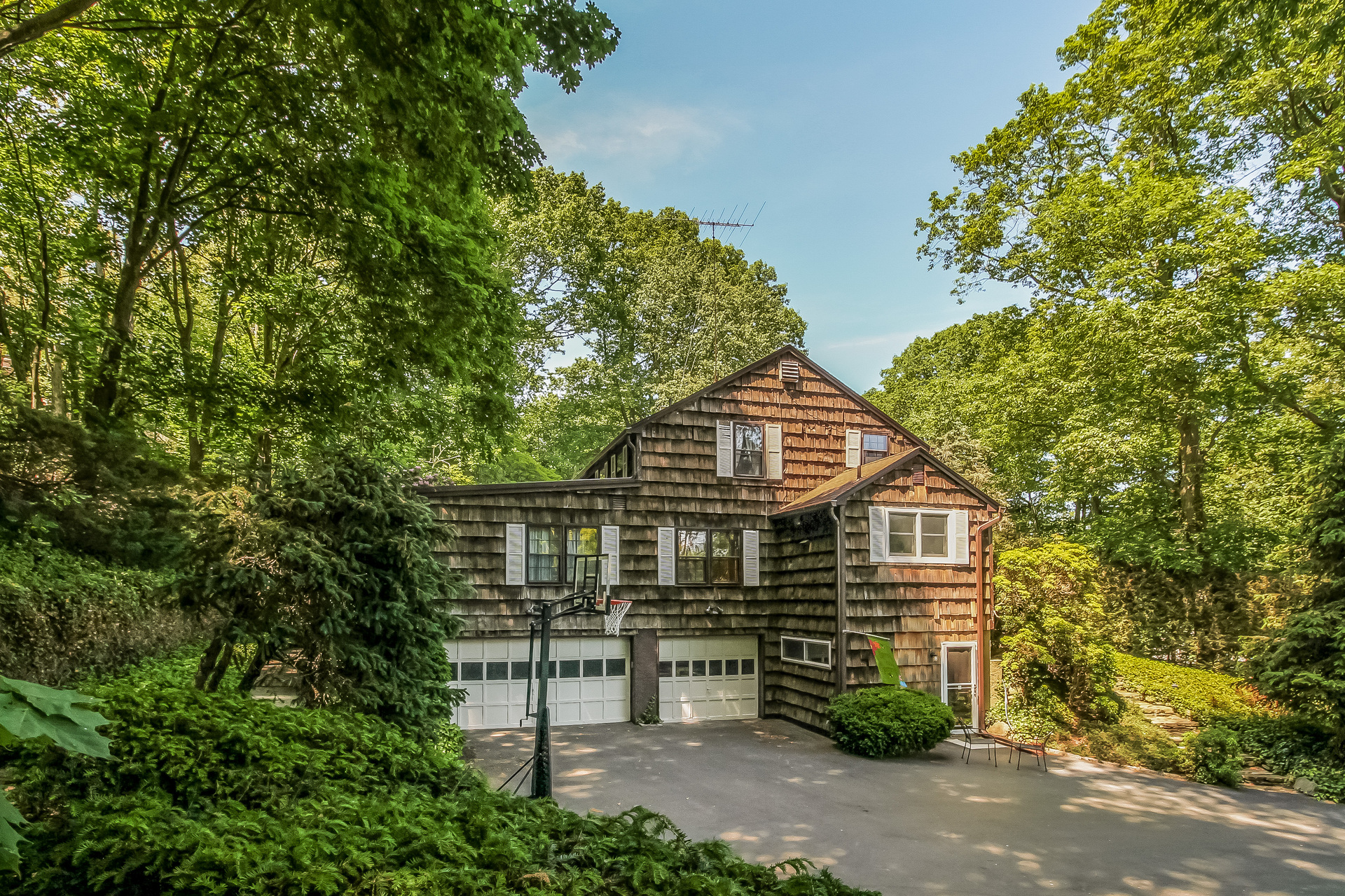 Single Family Home for Sale at Colonial 56 Turkey Ln Cold Spring Harbor, New York 11724 United States