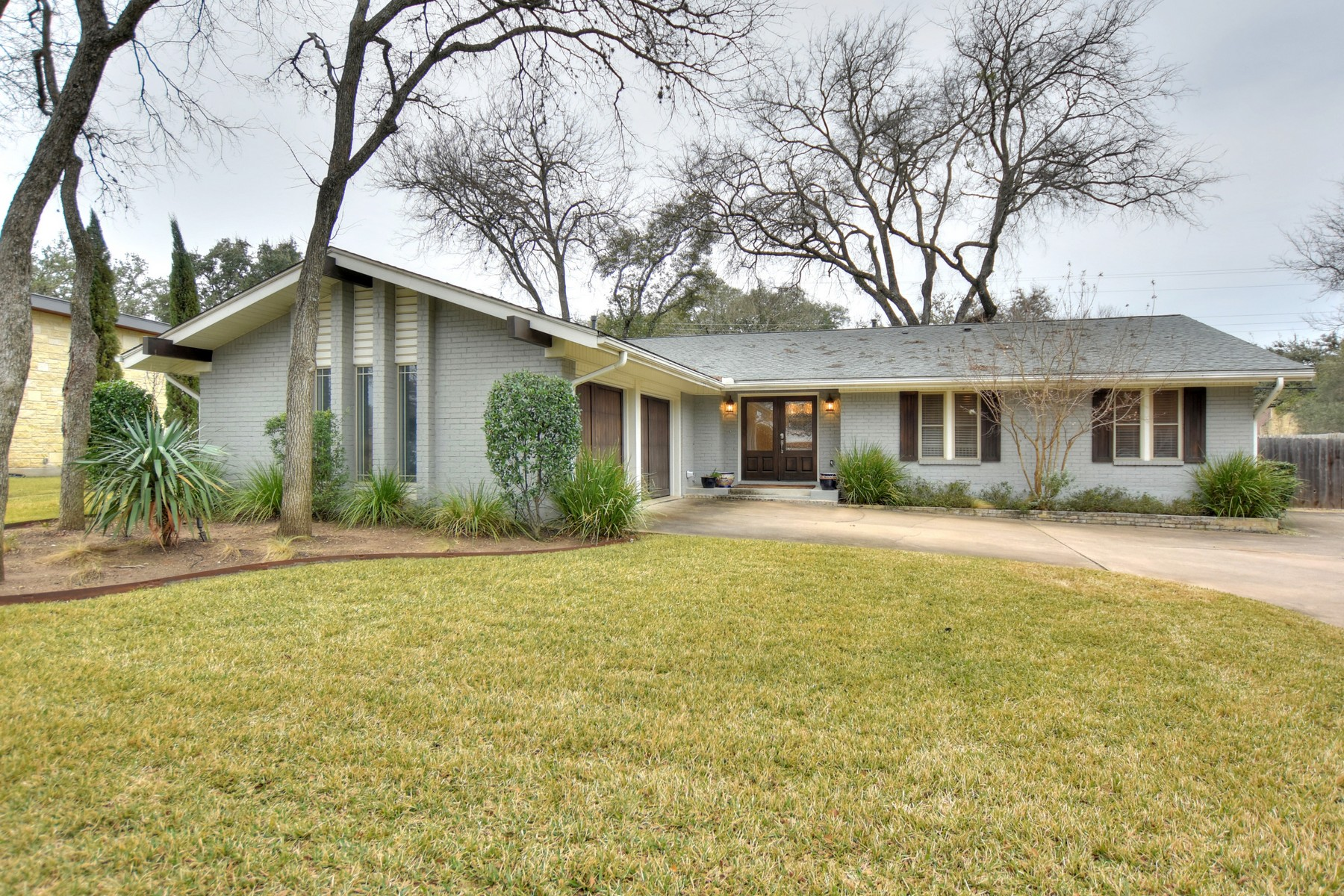 Single Family Home for Rent at Family Dream Home for Lease in Westwood 306 Briarwood Trl Austin, Texas 78746 United States