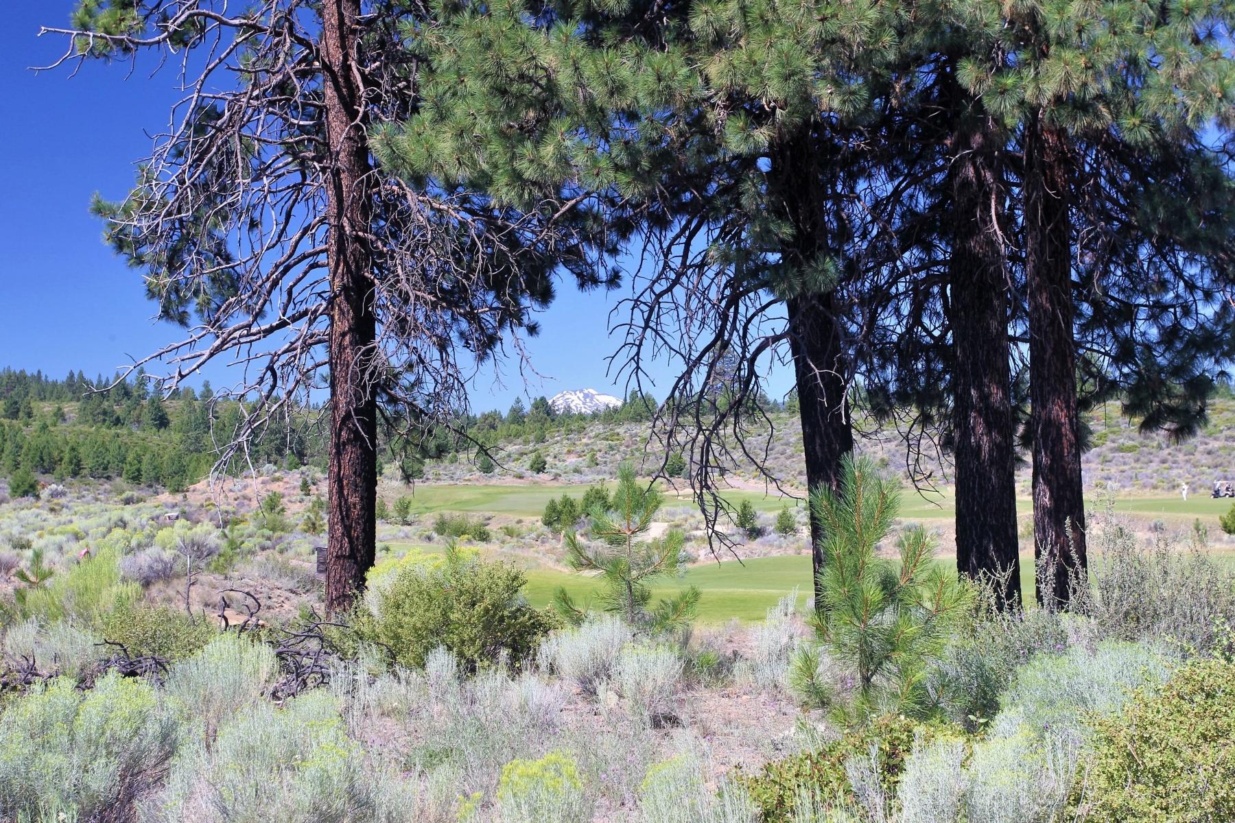 Terreno por un Venta en Premier Tetherow Lot wViews 61551 Hardin Martin Ct Lot 208 Bend, Oregon, 97702 Estados Unidos