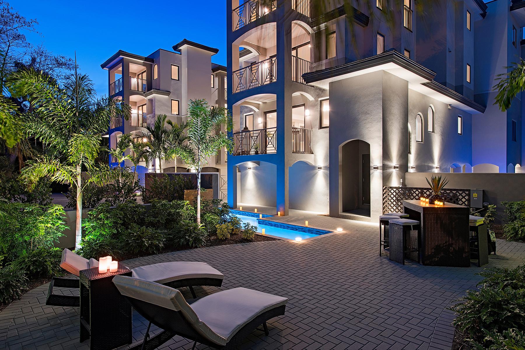 共管式独立产权公寓 为 销售 在 OLD NAPLES - ESMERALDA ON EIGHTH 969 8th Ave S 201 那不勒斯, 佛罗里达州, 34102 美国