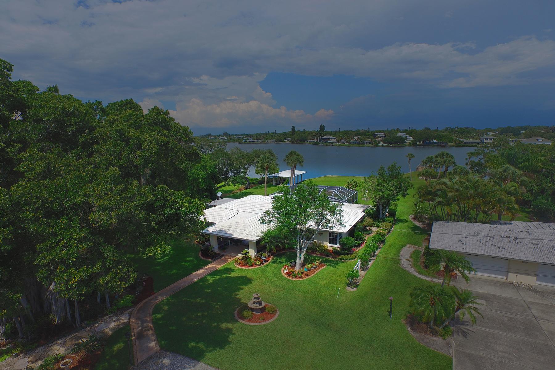 Casa para uma família para Venda às DONA BAY PARK 213 Palmetto Rd E Nokomis, Florida 34275 Estados Unidos