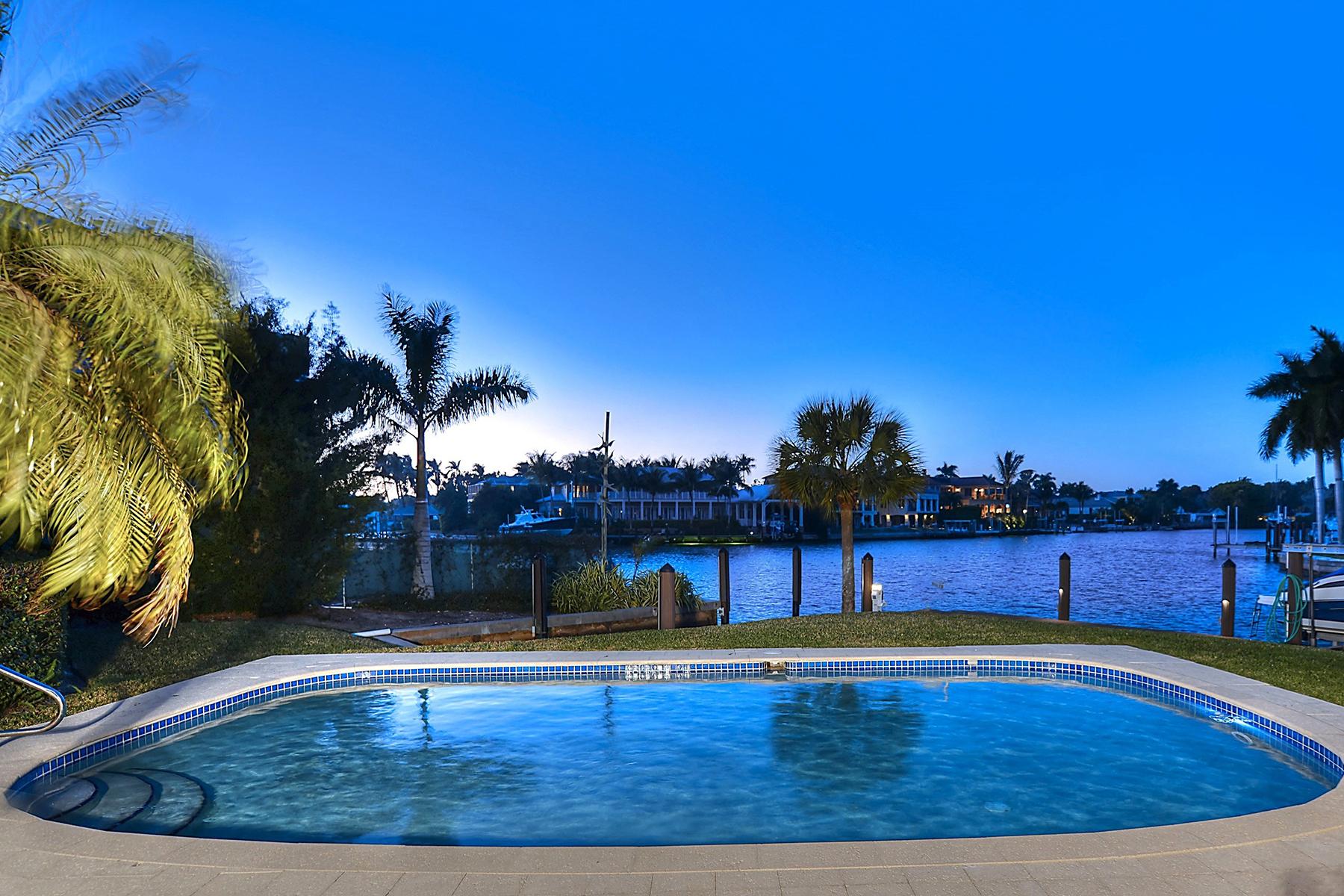 Vivienda unifamiliar por un Venta en AQUALANE SHORES 505 21st Ave S Aqualane Shores, Naples, Florida, 34102 Estados Unidos
