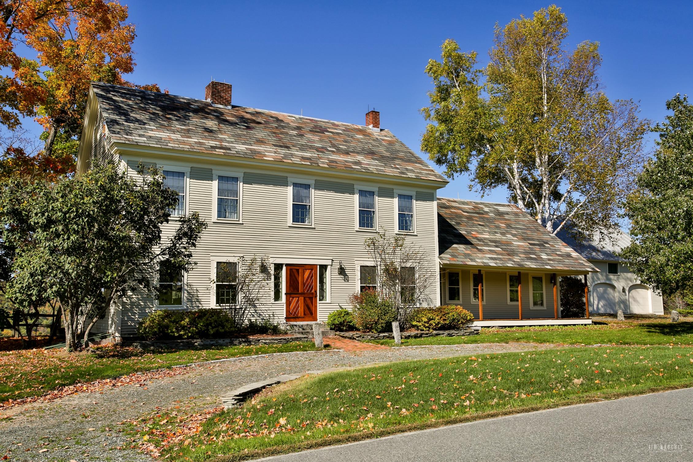 独户住宅 为 销售 在 3703 Jericho Street, Hartford 哈特福特, 佛蒙特州 05001 美国