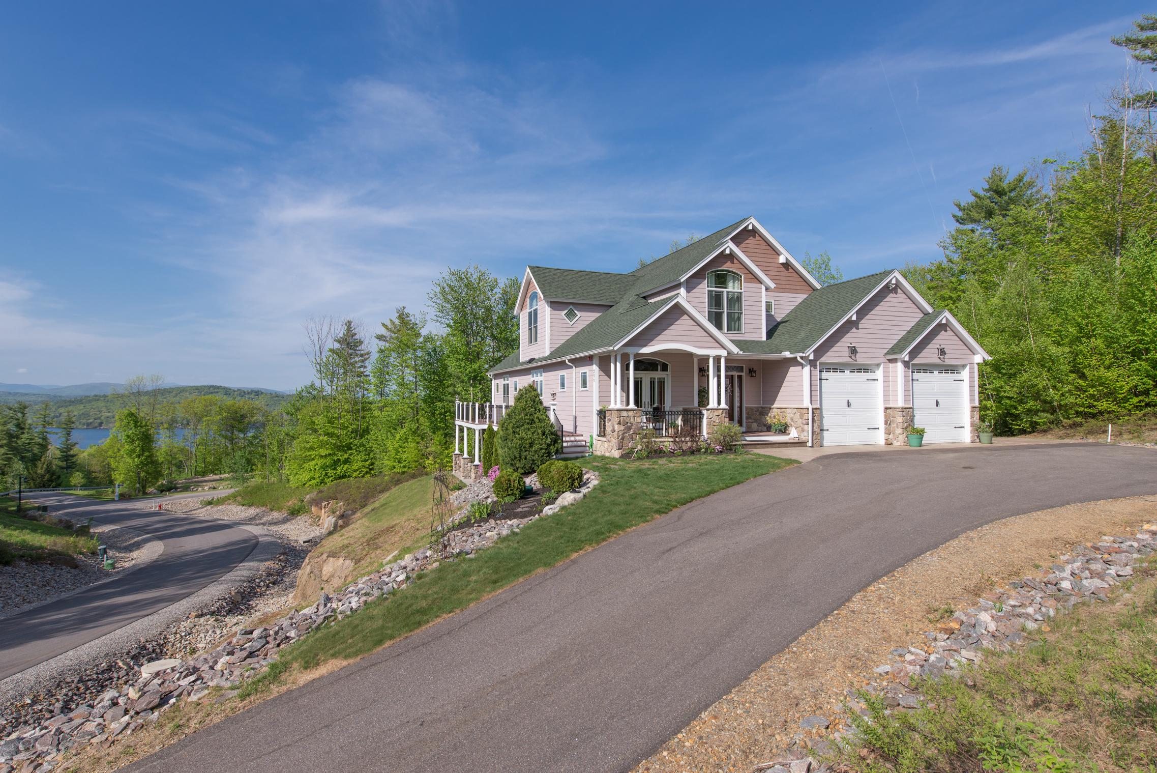 Vivienda unifamiliar por un Venta en 211 Soleil Mountain, Laconia Laconia, Nueva Hampshire, 03246 Estados Unidos