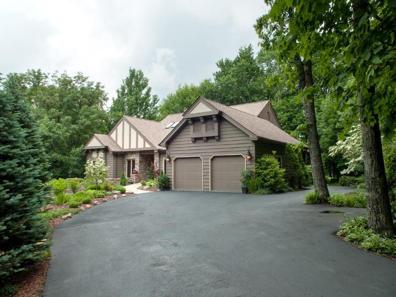 Maison unifamiliale pour l Vente à LINVILLE RIDGE 310 Dam Trail Linville, Carolina Du Nord 28646 États-Unis