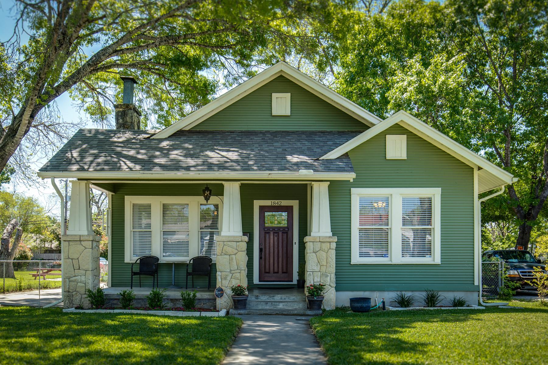 Vivienda unifamiliar por un Venta en Charming Cottage in Woodlawn Terrace 1842 W Kings Hwy Woodlawn Terrace, San Antonio, Texas, 78201 Estados Unidos