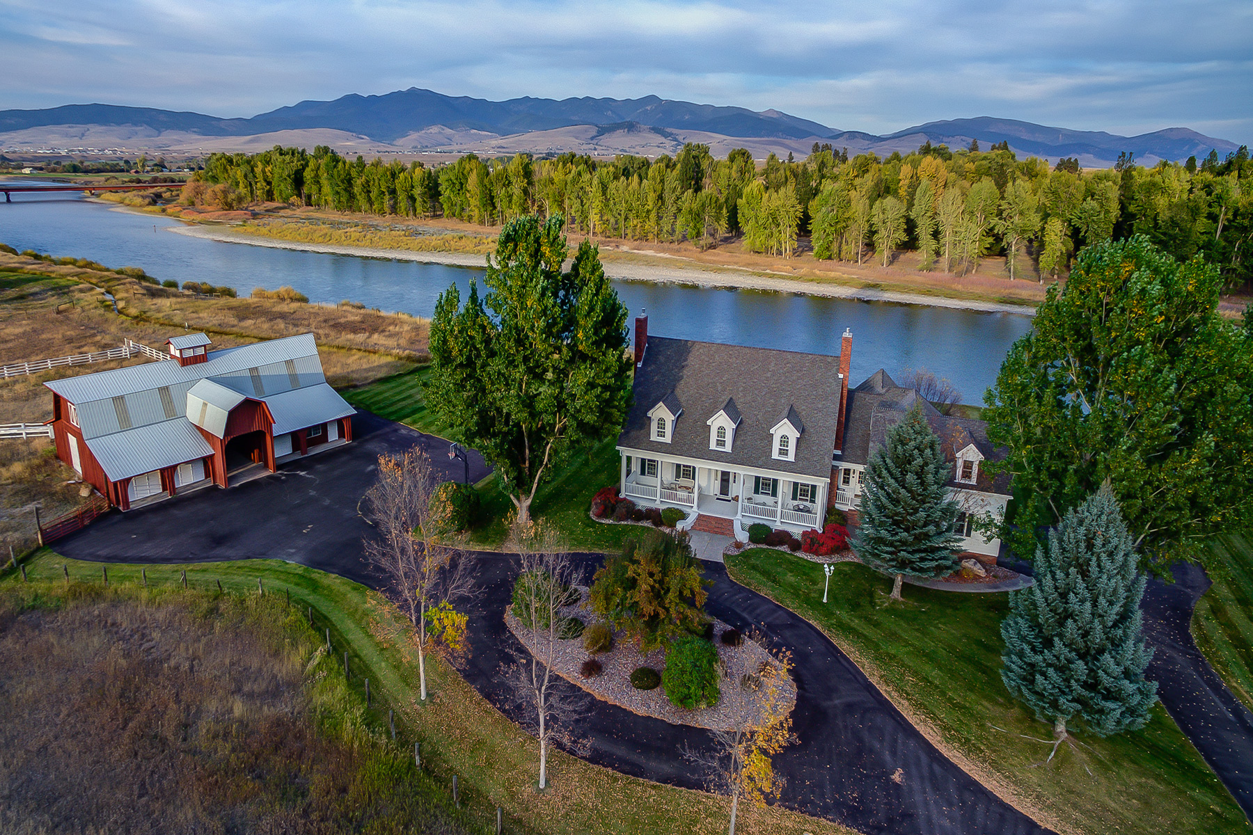 Maison unifamiliale pour l Vente à 11060 Windemere 11060 Windemere Missoula, Montana, 59804 États-Unis