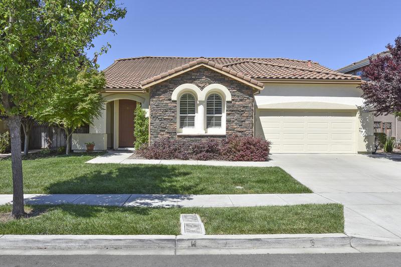 Casa Unifamiliar por un Venta en 115 Ullman Ct, Napa, CA 94559 115 Ullman Ct Napa, California, 94559 Estados Unidos