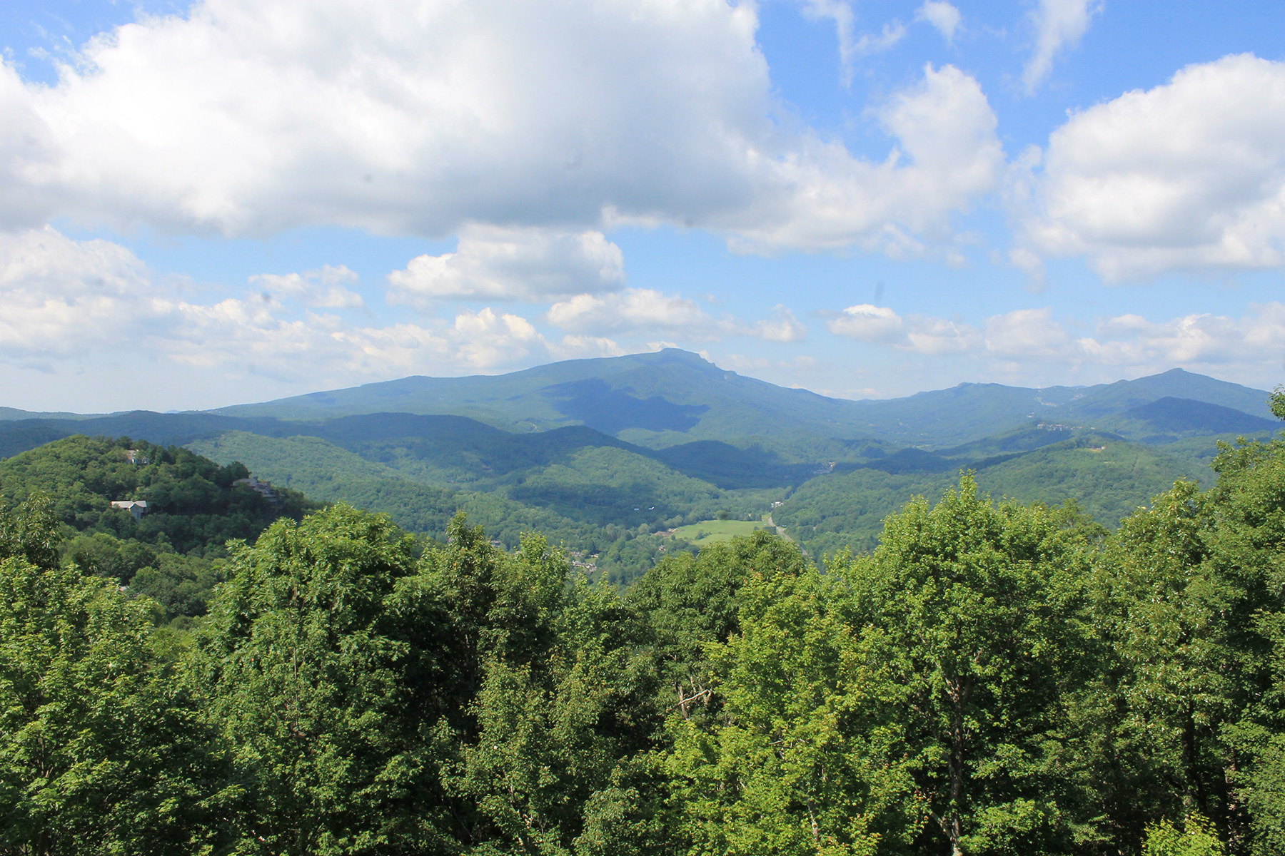 Single Family Home for Sale at BOONE - YONAHLOSSEE SADDLE CLUB 259 Hialeah Road Rd Boone, North Carolina, 28607 United States