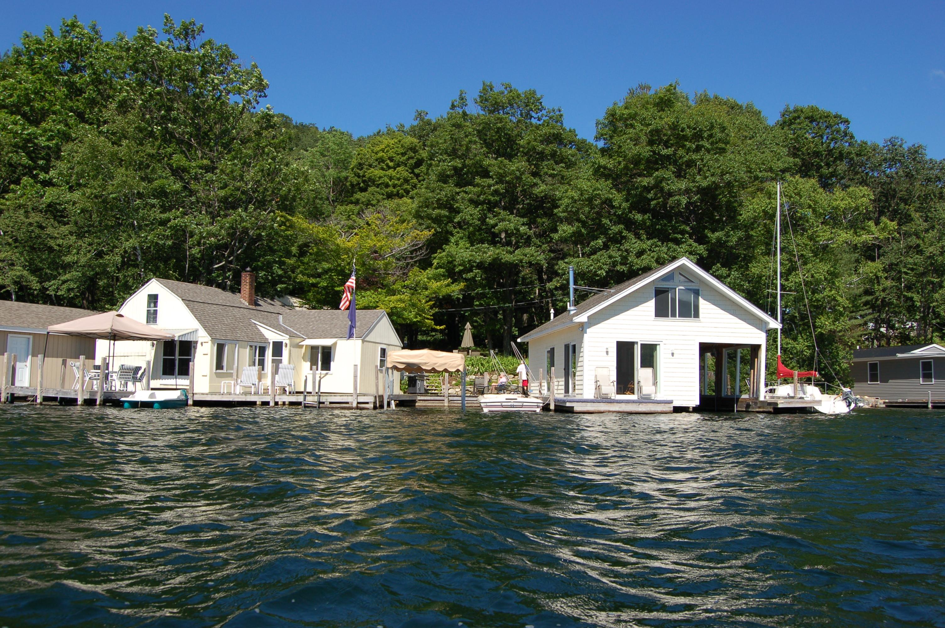 Einfamilienhaus für Verkauf beim Mini Compound - 2 Boathouses with Living Quarters! 5 Frazier Newbury, New Hampshire 03255 Vereinigte Staaten
