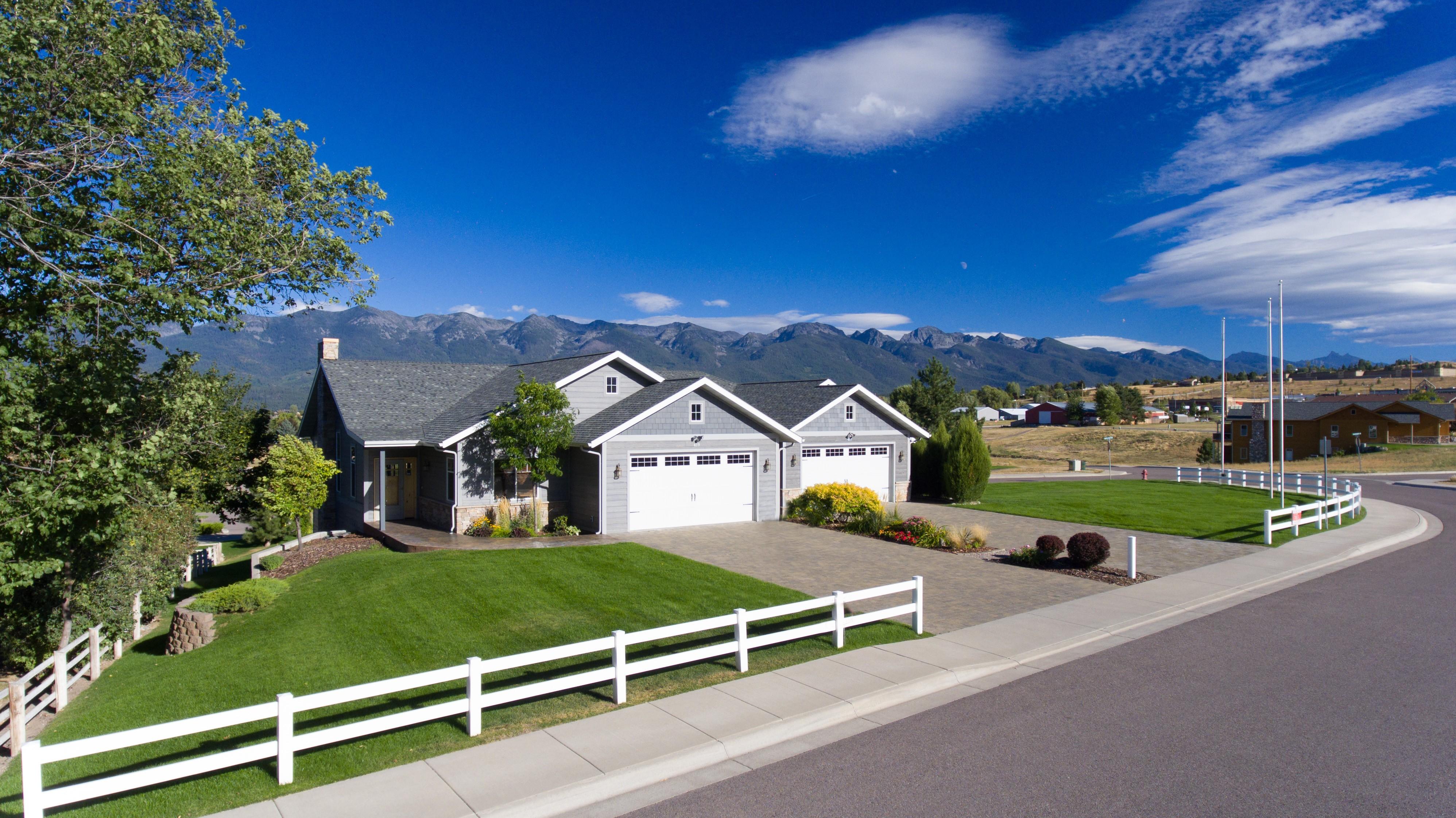 Casa unifamiliar adosada (Townhouse) por un Venta en Polson 419 Timberwolf Dr Polson, Montana, 59860 Estados Unidos