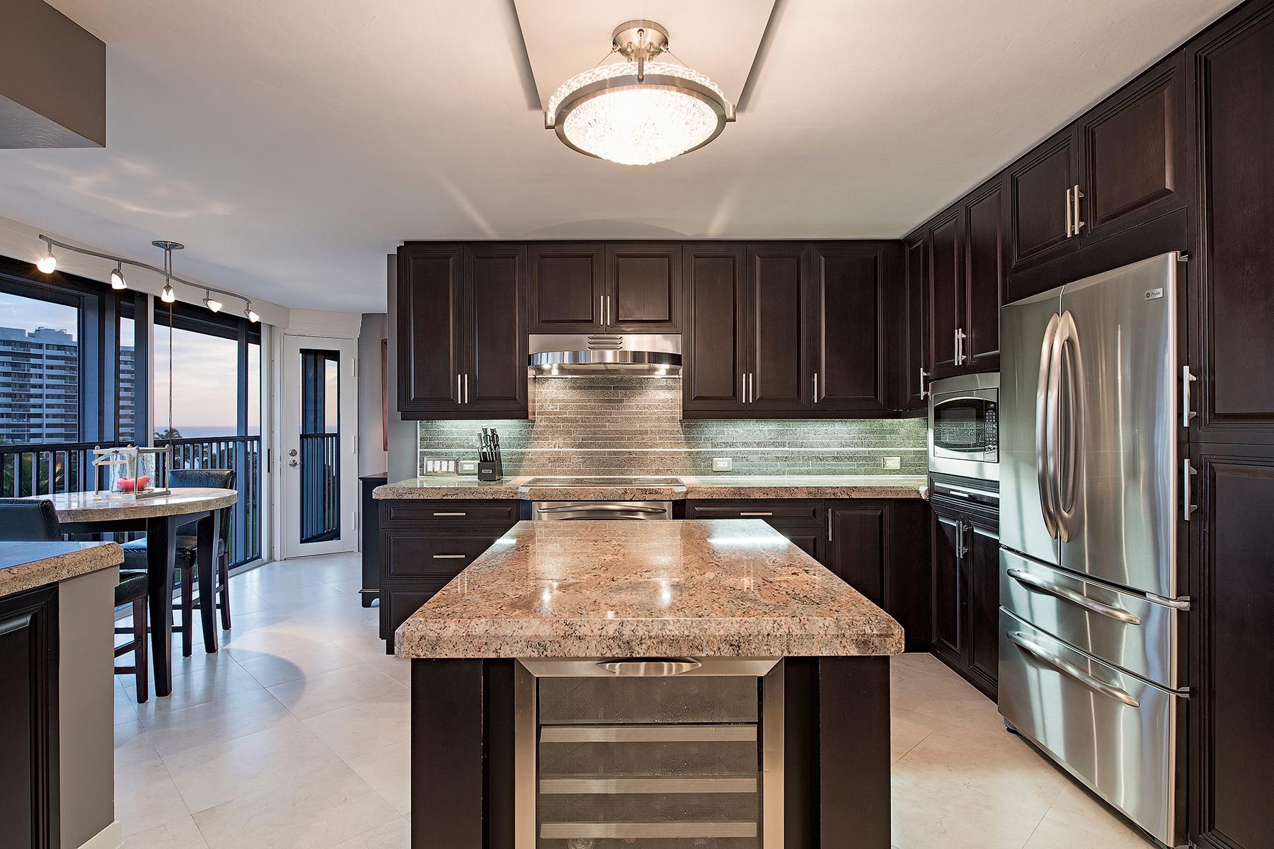 Condomínio para Venda às PARK SHORE - SAVOY 4041 Gulf Shore Blvd N 606 Naples, Florida, 34103 Estados Unidos