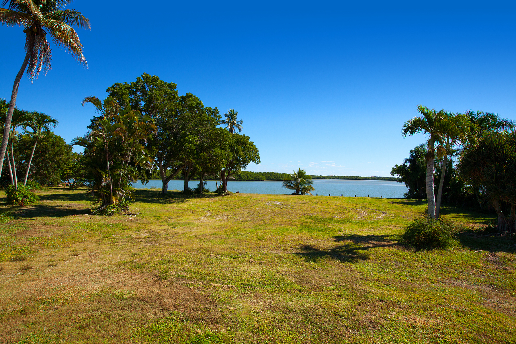 Land for Sale at ESTATES - CAXAMBAS DRIVE 945 Caxambas Dr Marco Island, Florida 34145 United States