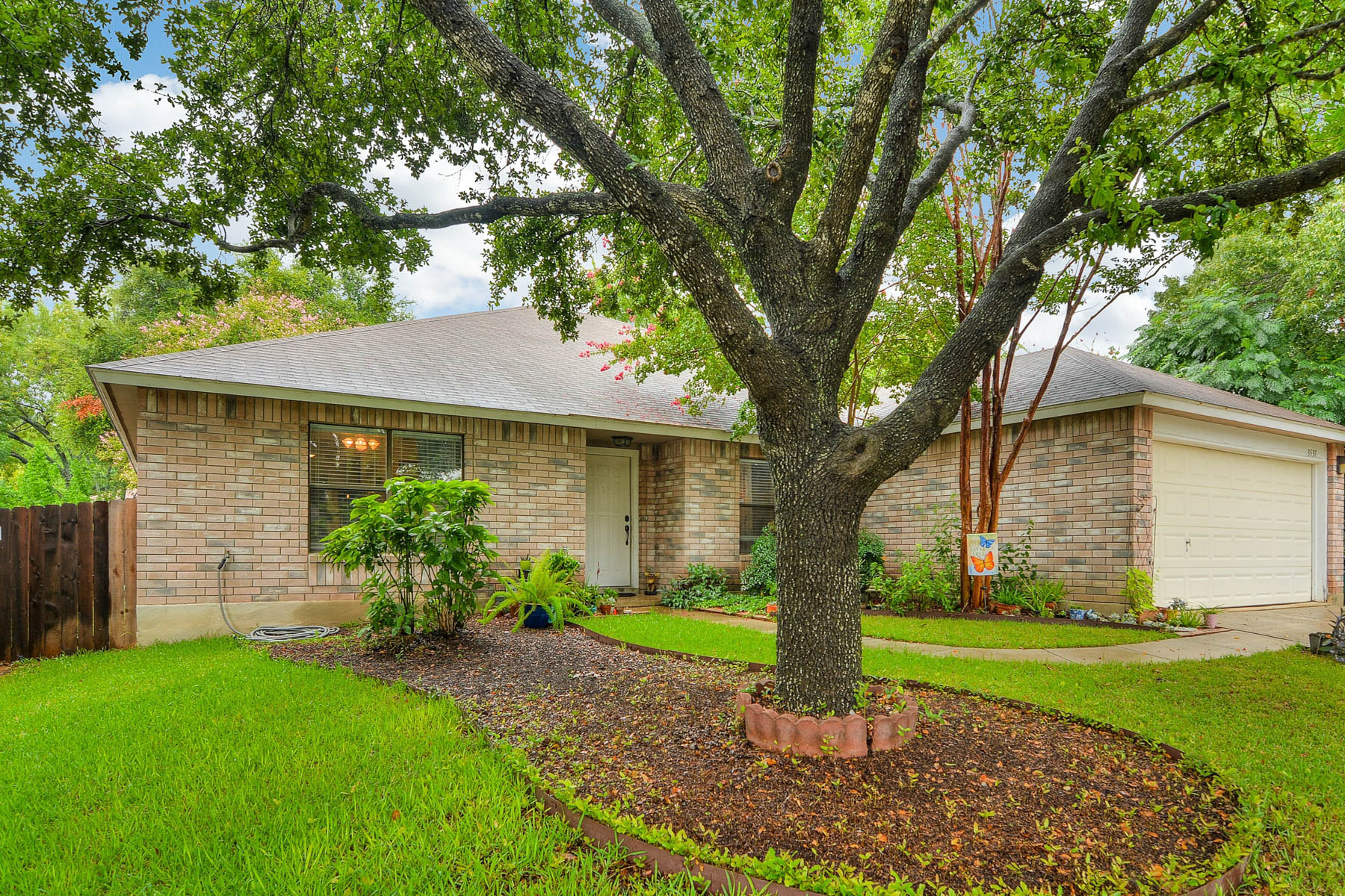 Additional photo for property listing at Wonderful NEISD Home 3531 Mistic Grove San Antonio, Texas 78247 Estados Unidos