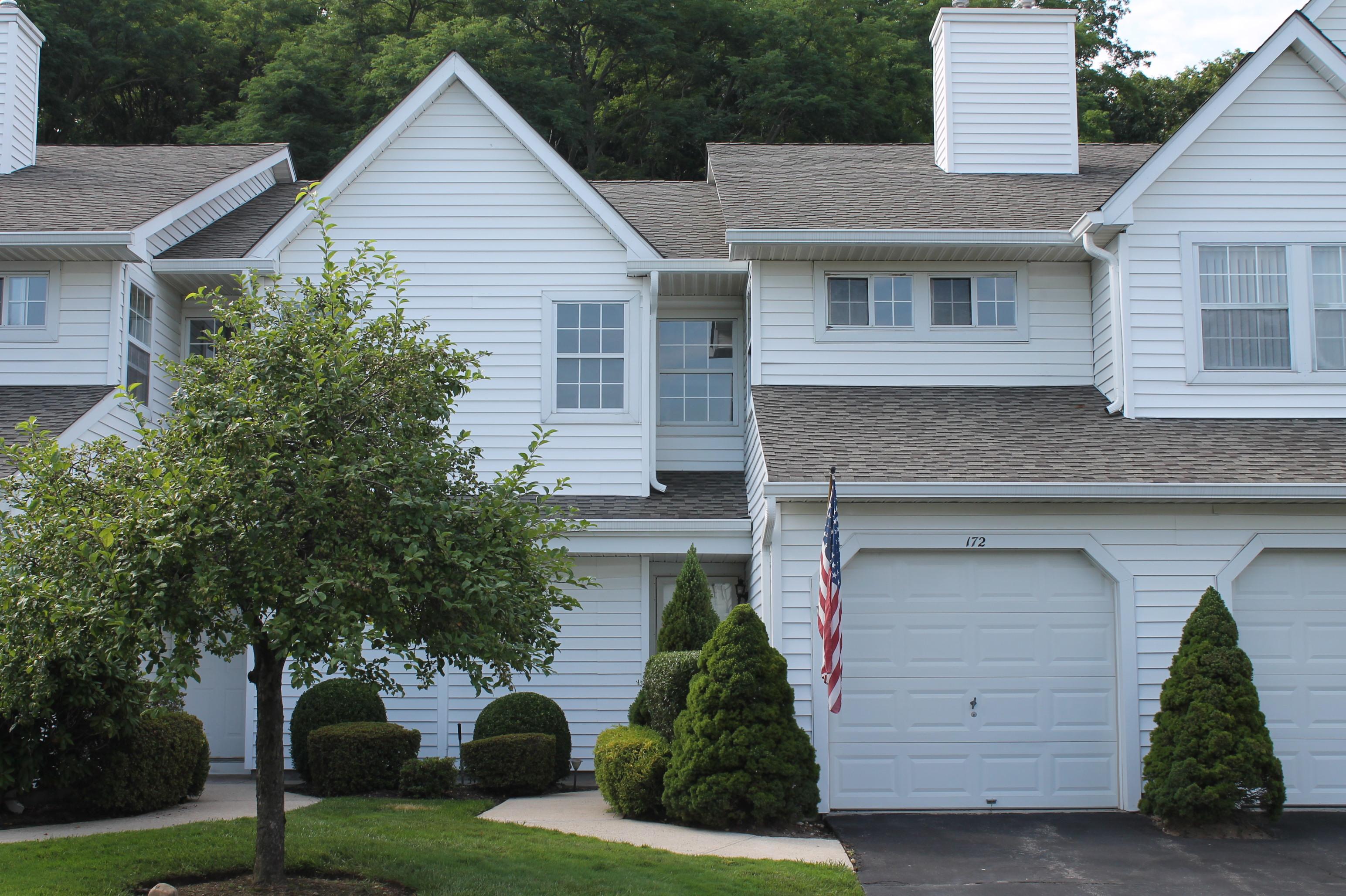 共管物業 為 出售 在 Magnificent Condo 172 Thomas Ln Setauket, 紐約州, 11733 美國