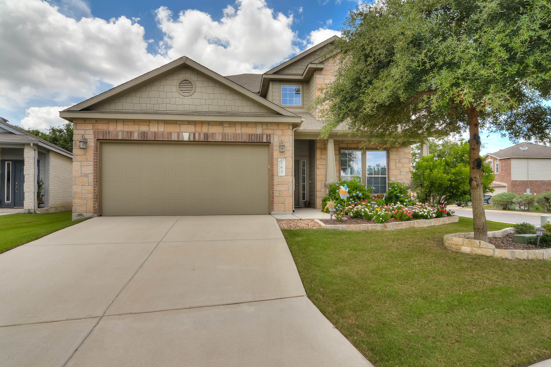 Additional photo for property listing at Beautiful Home on a Corner Lot in Silverado Hills 763 Trinity Star San Antonio, Texas 78260 Estados Unidos