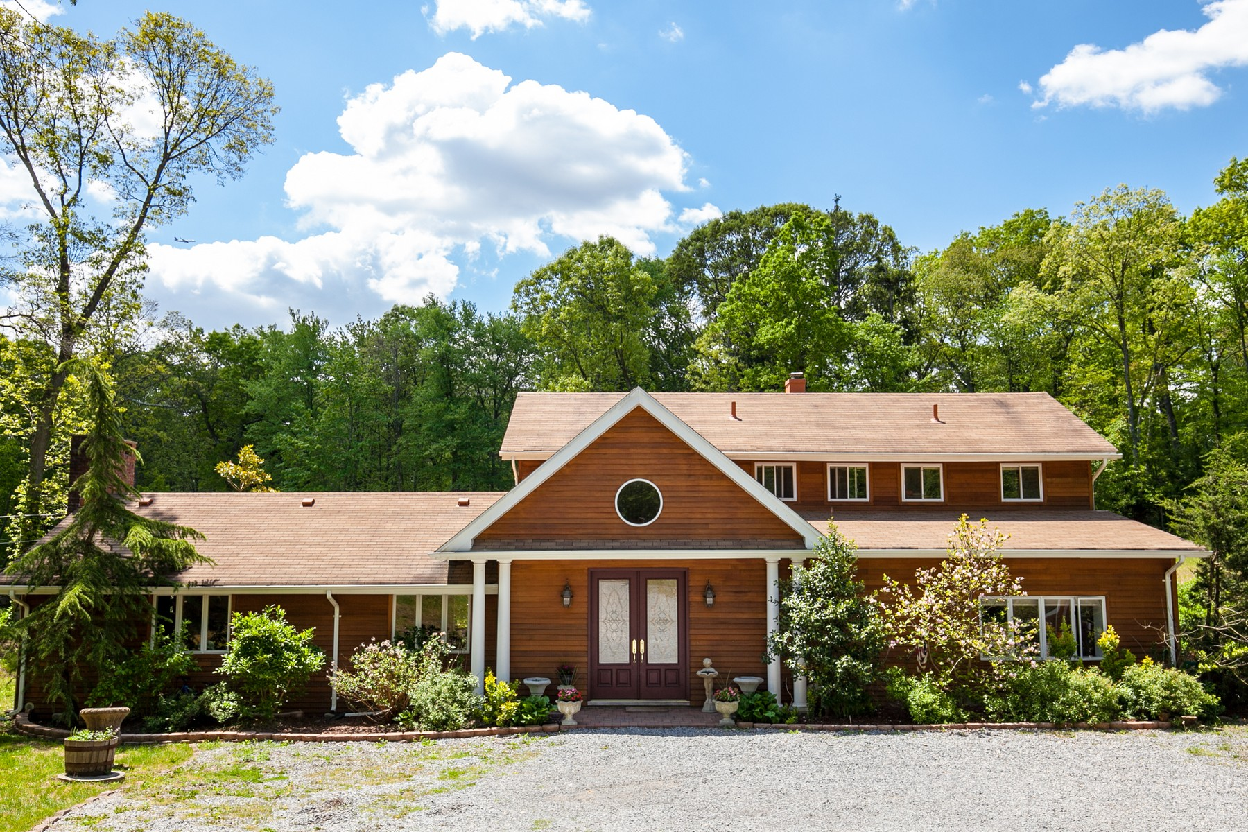 Single Family Home for Sale at Colonial 1968 Knollwood Rd Muttontown, New York, 11791 United States