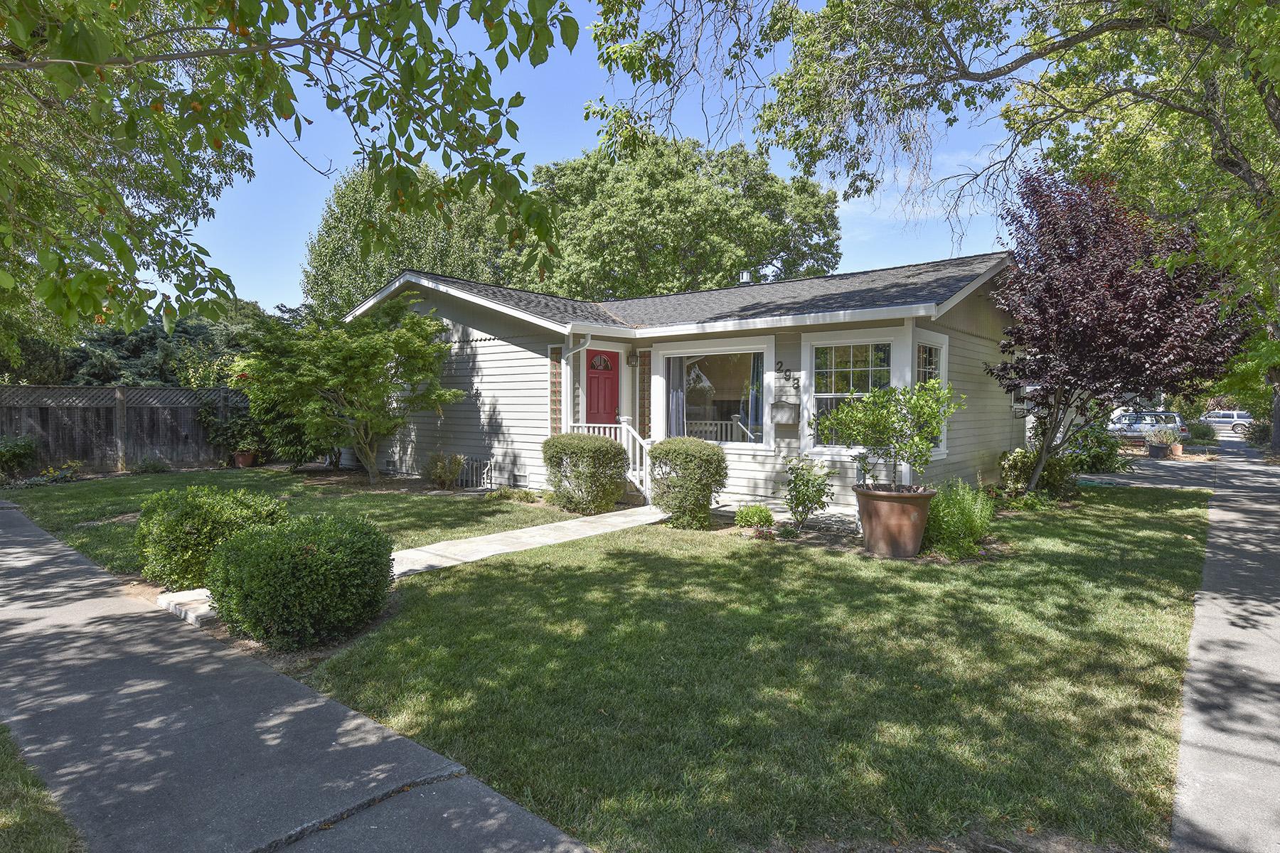 Частный односемейный дом для того Продажа на 298 S Hartson St, Napa, CA 94559 Napa, Калифорния, 94559 Соединенные Штаты