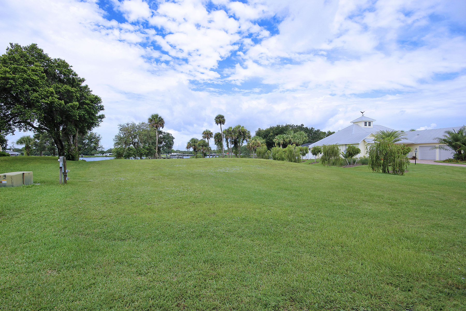 Land for Sale at ALVA 16440 Oakview Cir, Alva, Florida 33920 United States