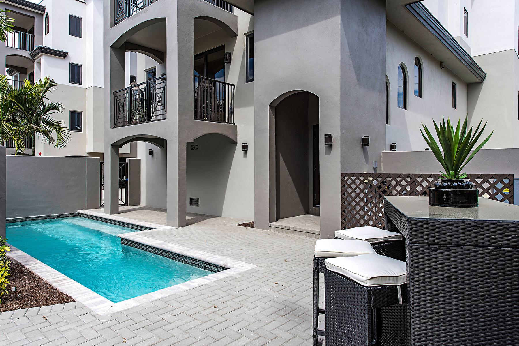 共管式独立产权公寓 为 销售 在 OLDE NAPLES - ESMERALDA ON EIGHTH 969 8th Ave S 101 那不勒斯, 佛罗里达州, 34102 美国