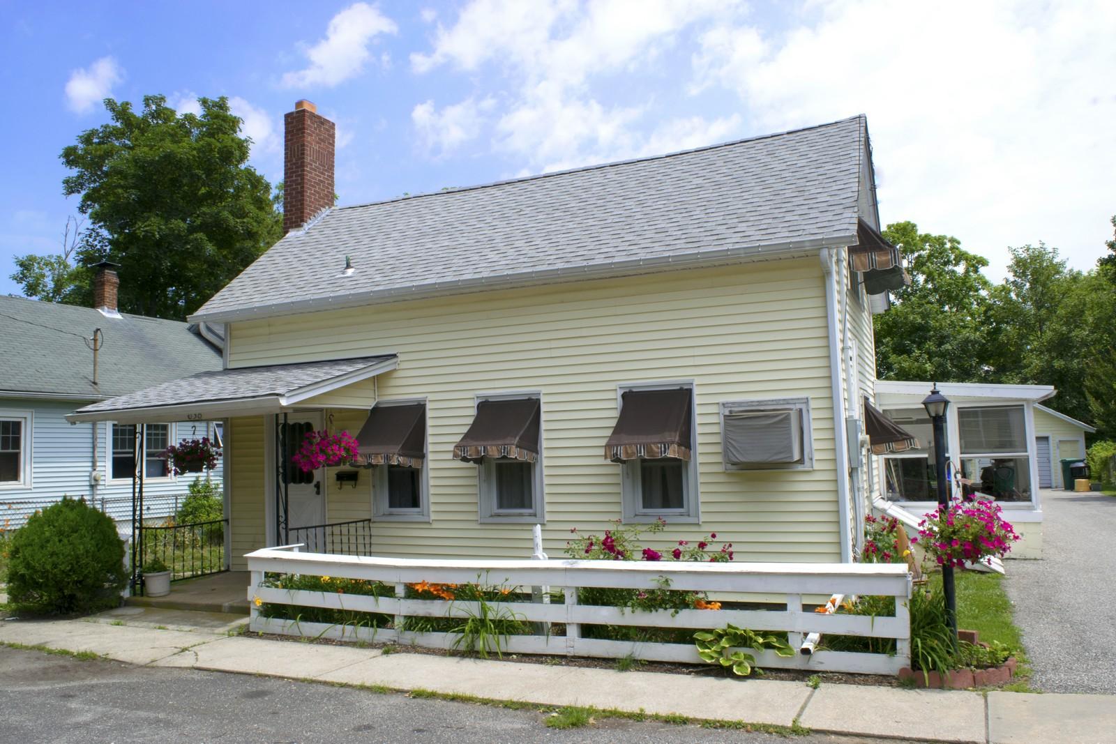 Casa para uma família para Venda às Antique/Hist 638 Carpenter St Greenport, Nova York 11944 Estados Unidos