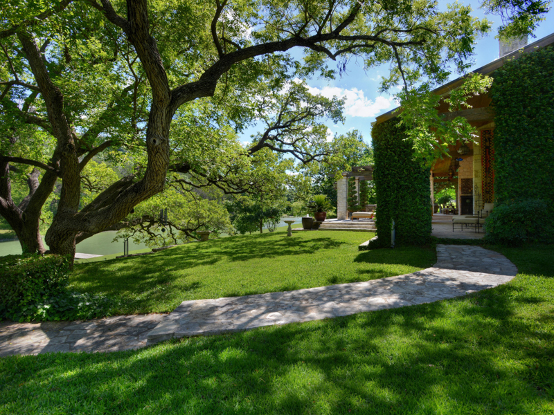 Additional photo for property listing at Live Water Equestrian Ranch with Luxurious Custom 143 Lower Turtle Creek Rd Kerrville, Texas 78028 Estados Unidos