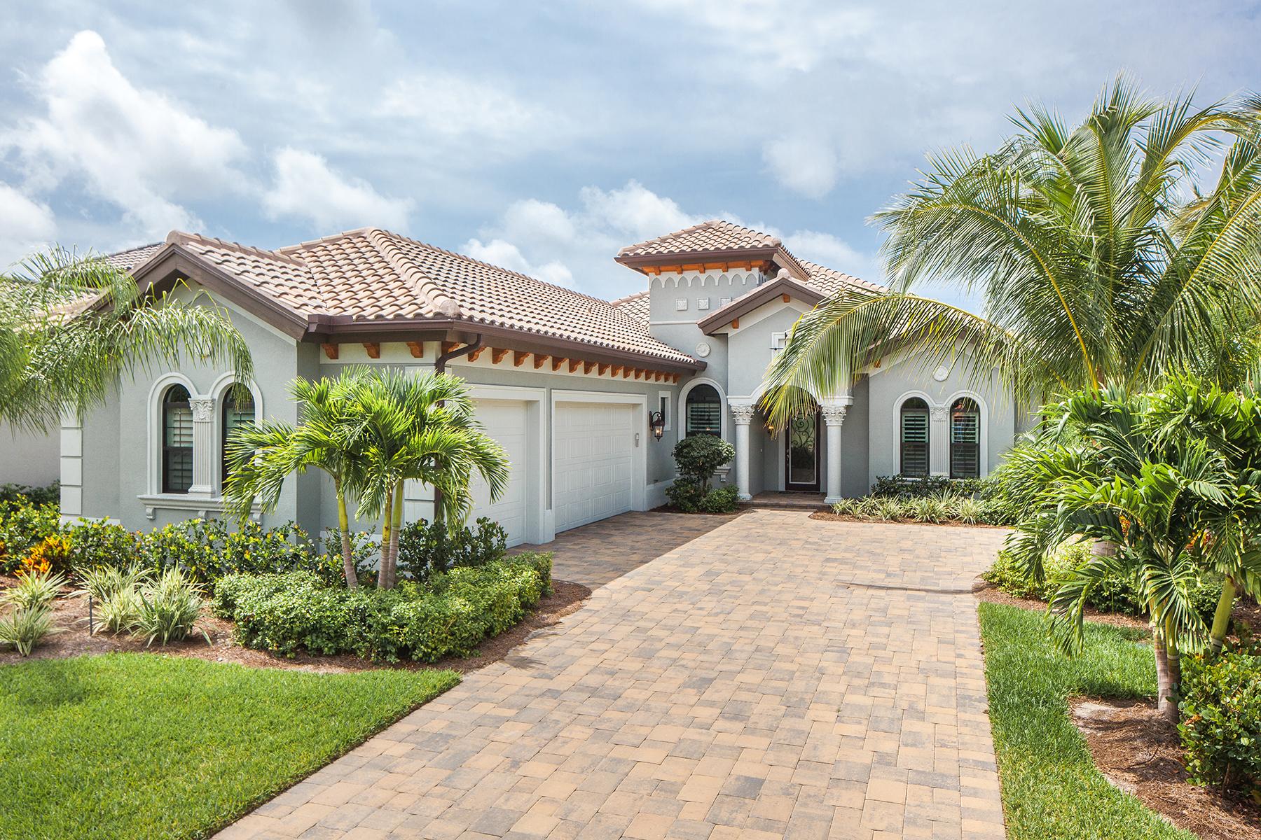 Casa para uma família para Venda às OLDE CYPRESS - LANTANA 7336 Lantana Cir Naples, Florida, 34119 Estados Unidos