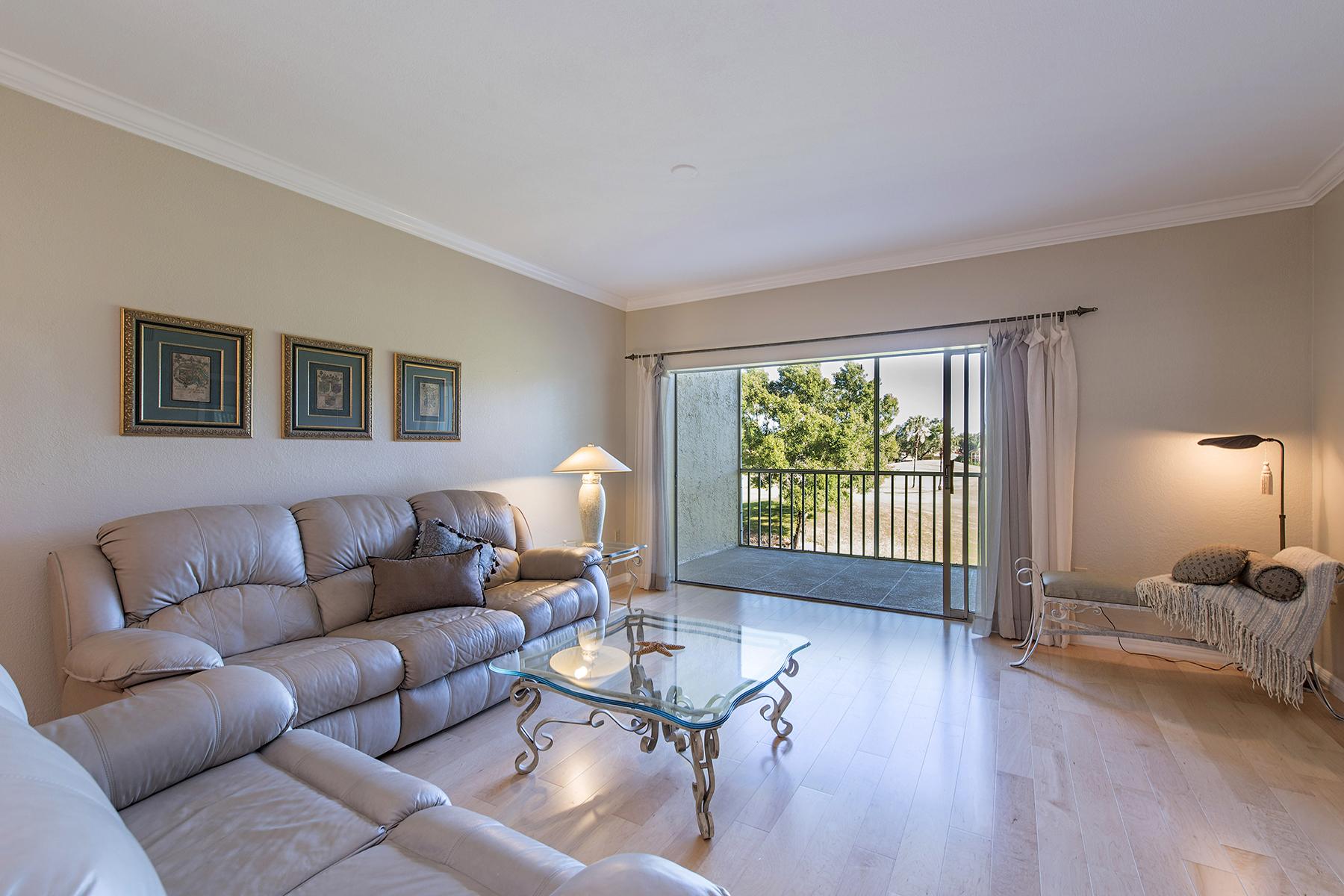 Appartement en copropriété pour l Vente à VINEYARDS - CHARDONNAY 6015 Chardonnay Ln 202 Naples, Florida, 34119 États-Unis