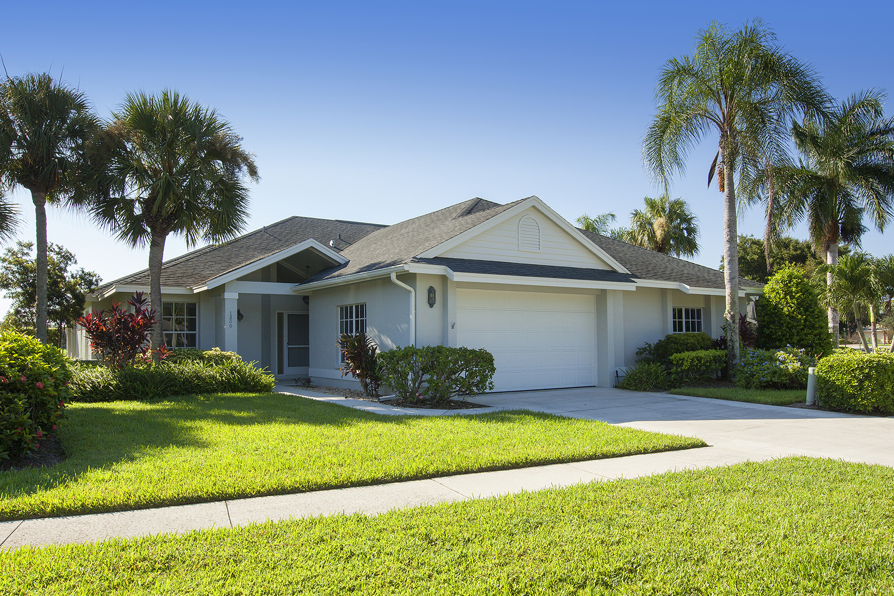 Single Family Home for Sale at IMPERIAL GOLF ESTATES - PARK PLACE WEST 1200 Imperial Dr 25 Naples, Florida 34110 United States