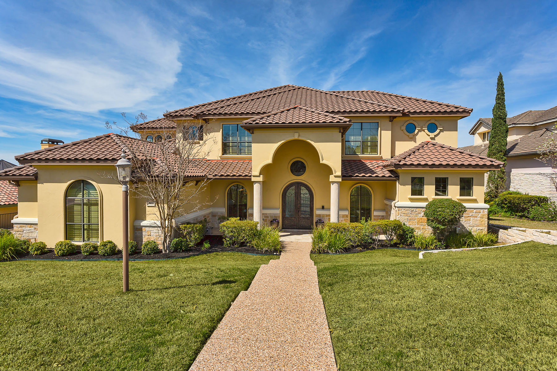 Moradia para Venda às An Entertainer's Dream Home! 109 Neville Wood Ct Austin, Texas, 78738 Estados Unidos