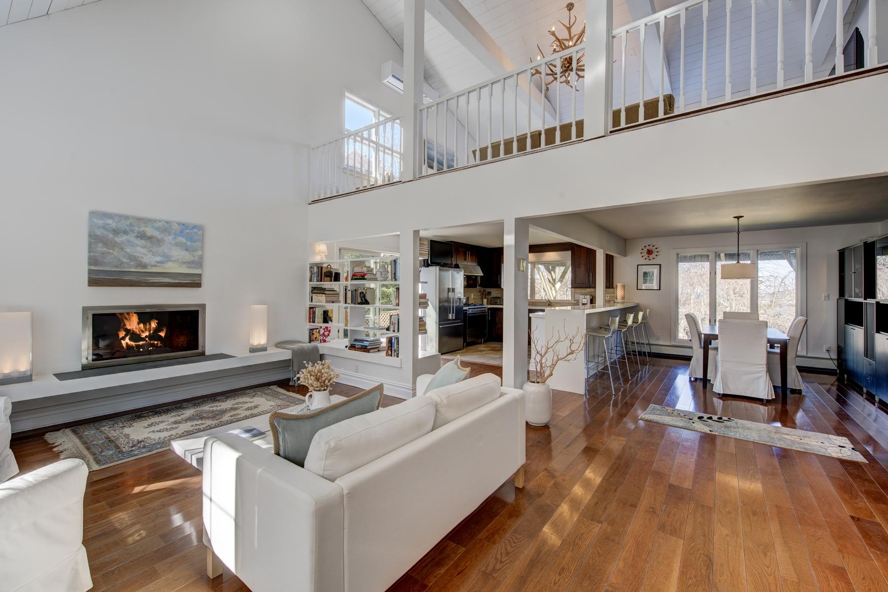 단독 가정 주택 용 매매 에 Cape 556 Sound Shore Rd Riverhead, 뉴욕, 11901 미국