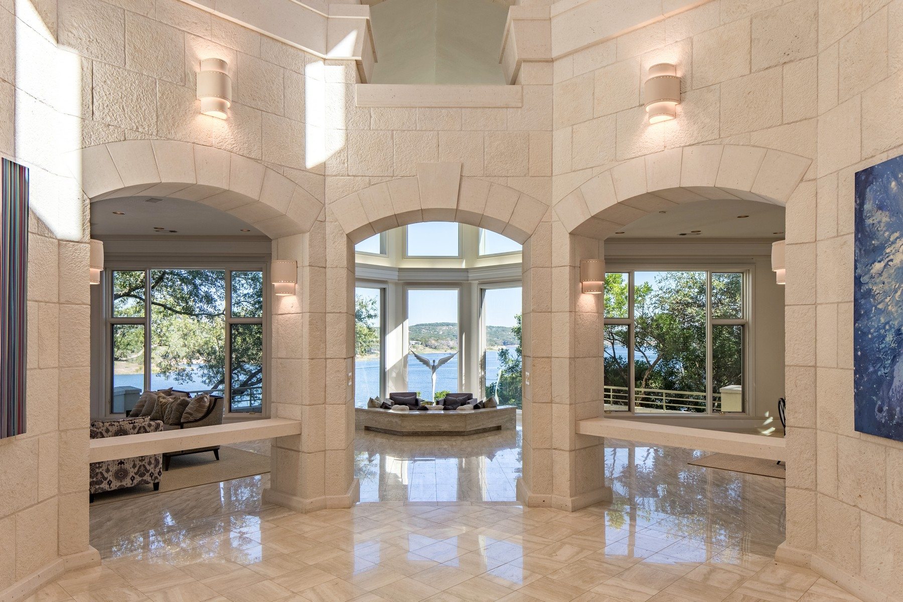 Additional photo for property listing at Gated Estate on Lake Travis Peninsula 26100 Countryside Dr Spicewood, Texas 78669 Estados Unidos