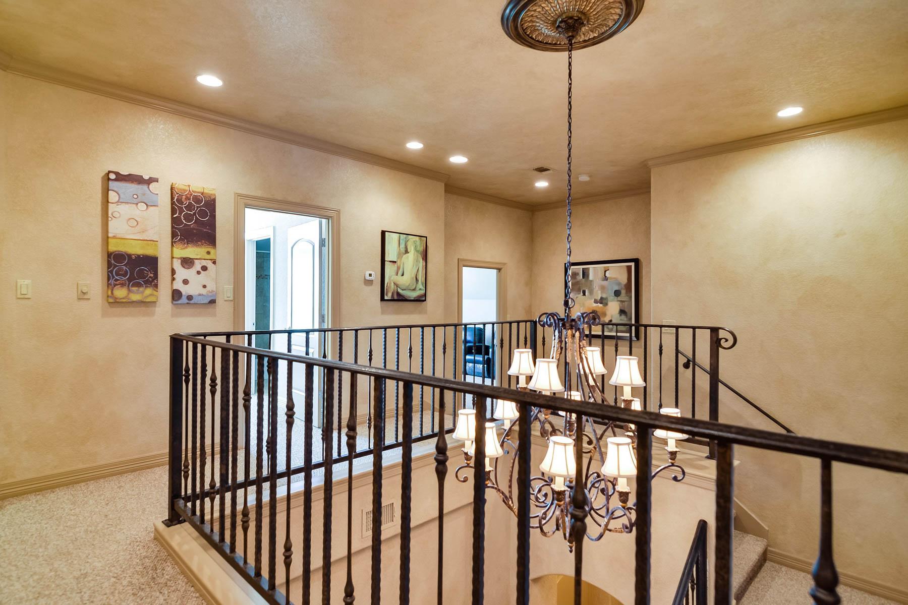 Additional photo for property listing at Sophisticated Modern Living 23114 Fossil Peak San Antonio, Texas 78261 Estados Unidos