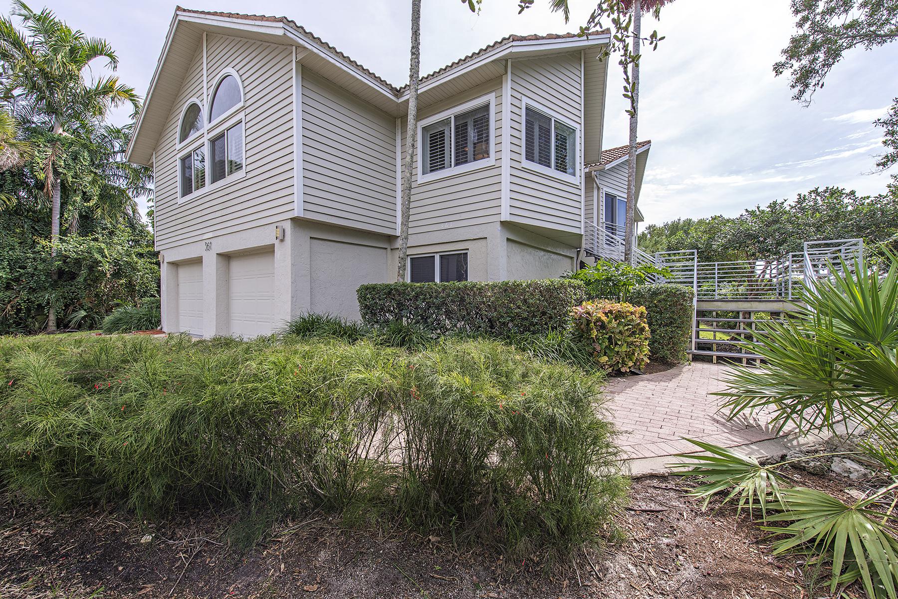 Casa para uma família para Venda às MARCO ISLAN D- HIDEAWAY BEACH 361 Wild Coffee Ln Marco Island, Florida 34145 Estados Unidos