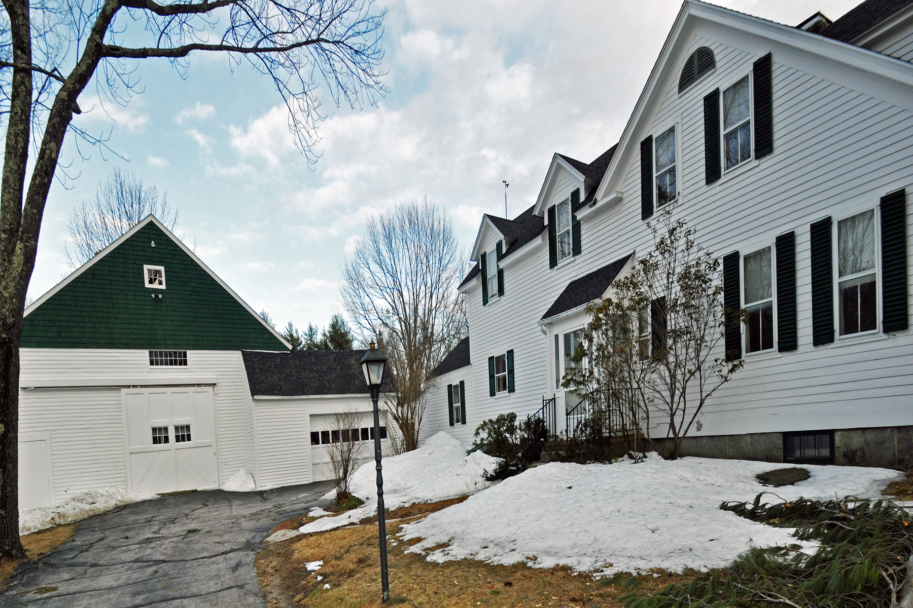 Single Family Home for Sale at 105 Old Street Rd, Peterborough Peterborough, New Hampshire 03458 United States