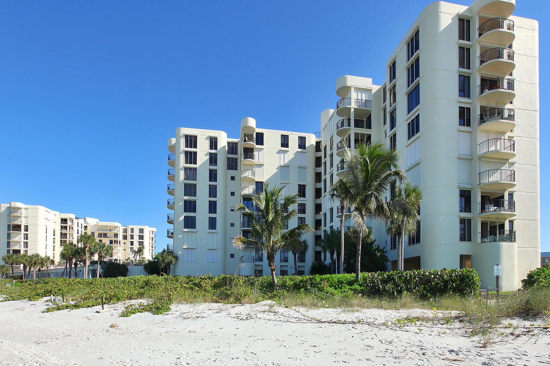 Copropriété pour l Vente à THE MOORINGS - LAUSANNE 3115 Gulf Shore Blvd N 612S Naples, Florida 34103 États-Unis