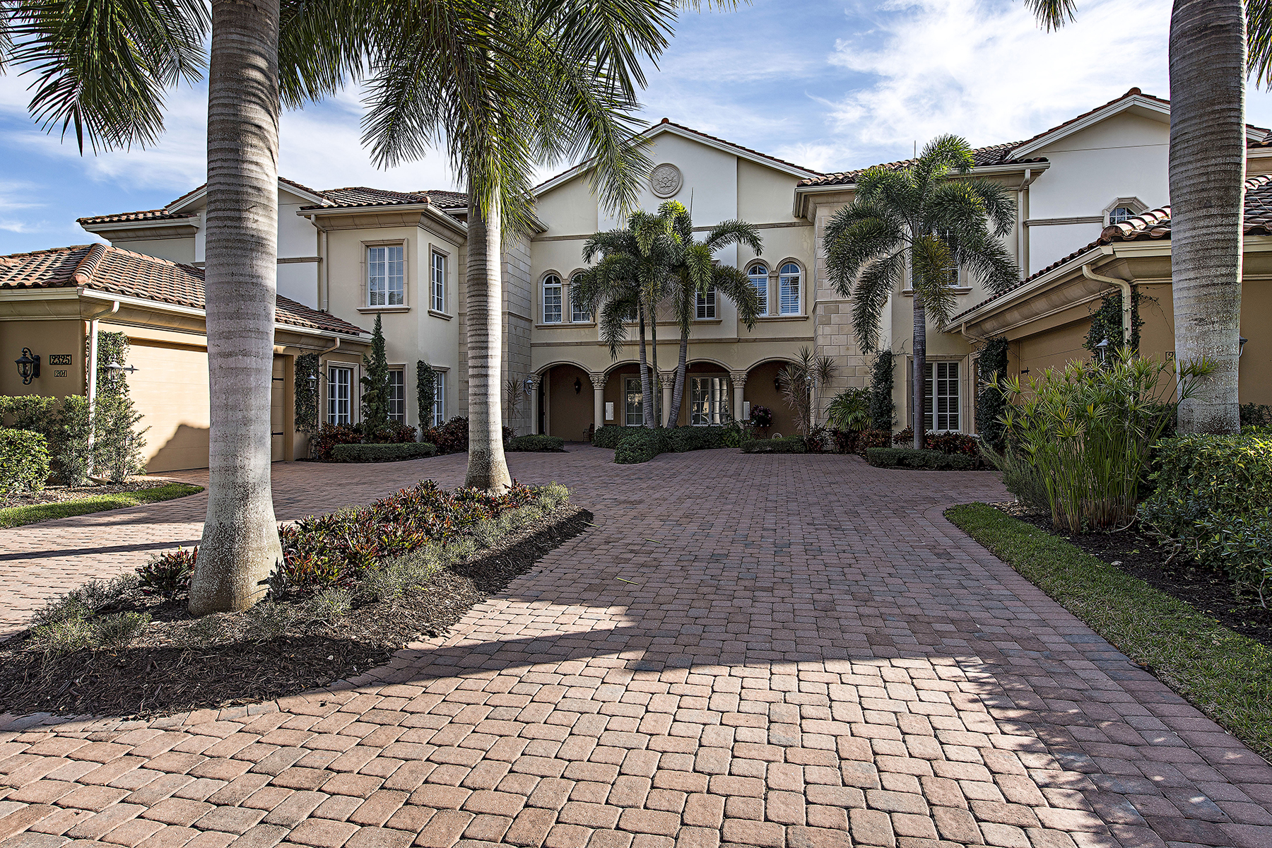 Condominium for Sale at 2325 Residence Cir , 202, Naples, FL 34105 2325 Residence Cir 202 Naples, Florida, 34105 United States