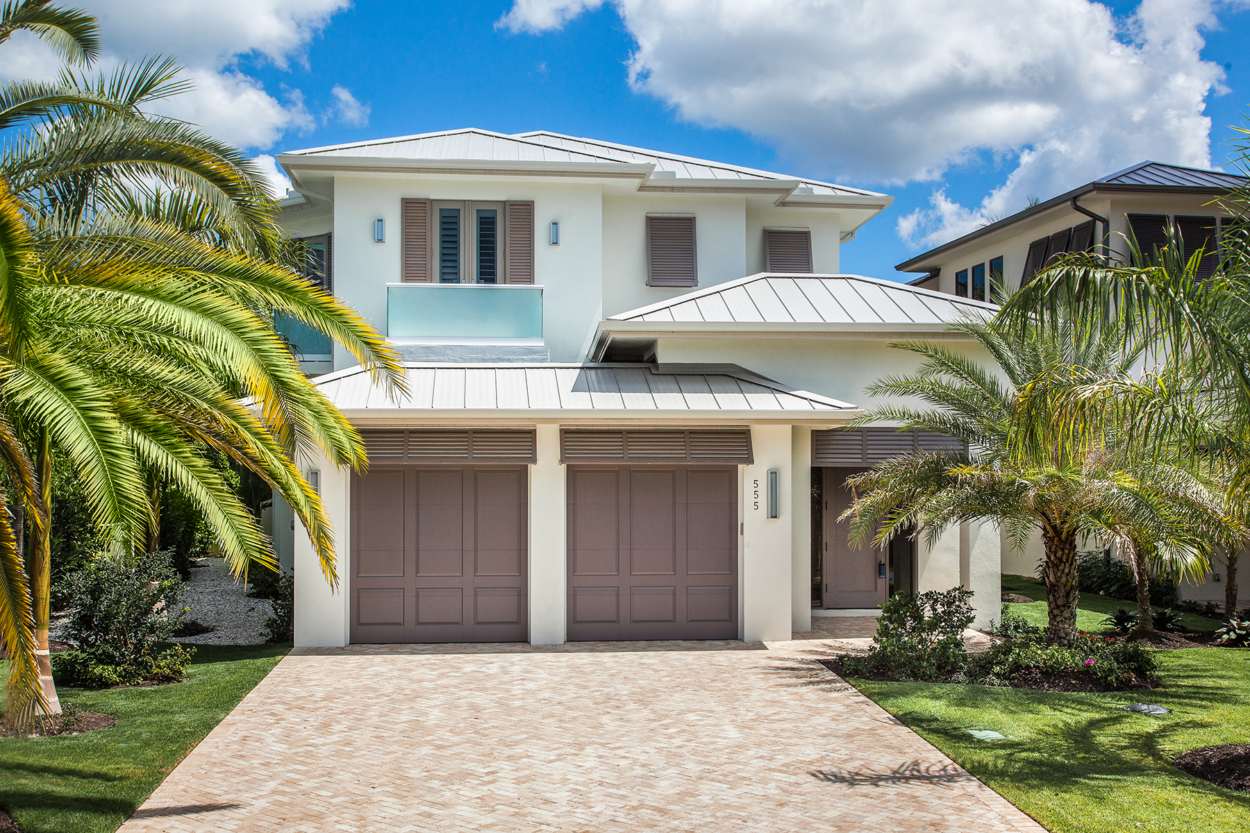 Maison unifamiliale pour l Vente à MOORINGS - FAIRWAY TERRACE 555 Fairway Terr Naples, Florida, 34103 États-Unis