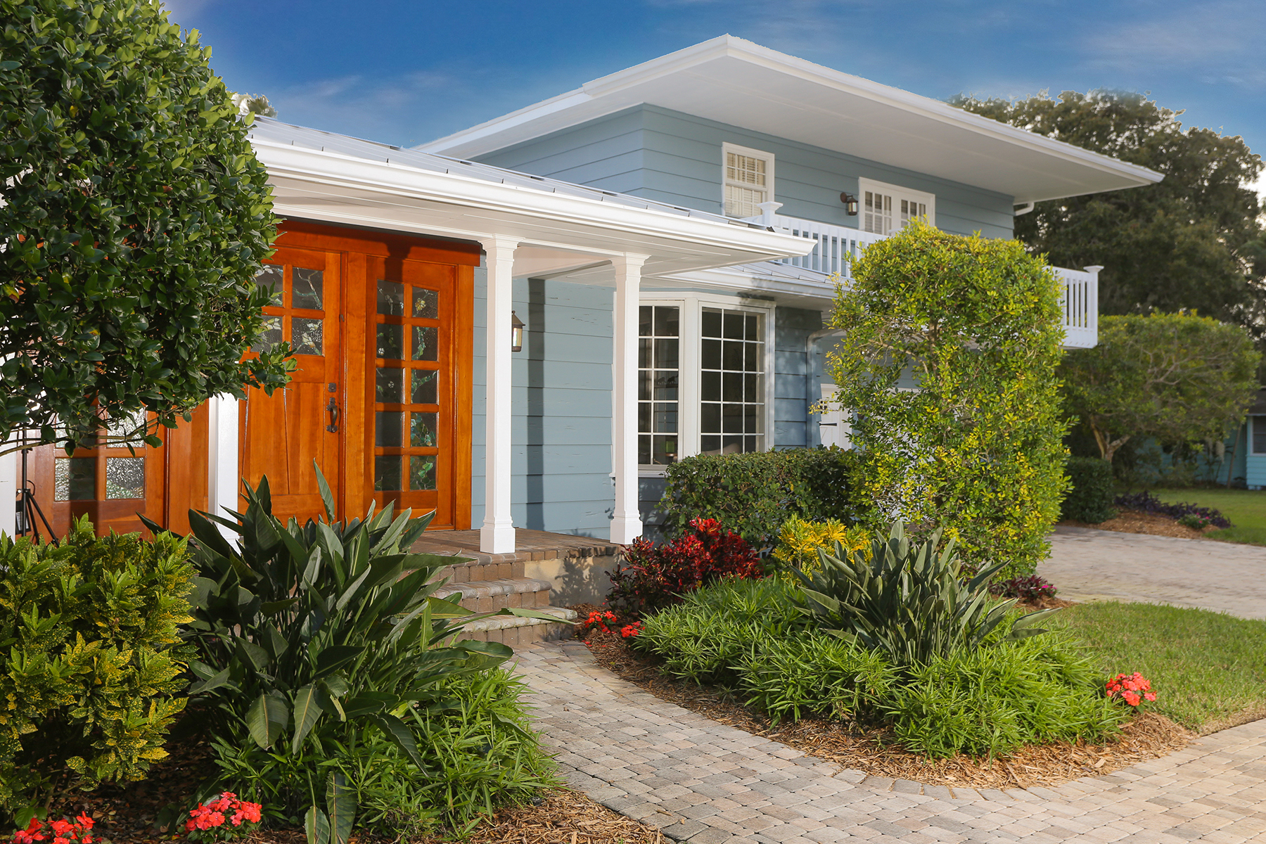 Single Family Home for Sale at CHEROKEE PARK 1662 South Dr Sarasota, Florida 34239 United States